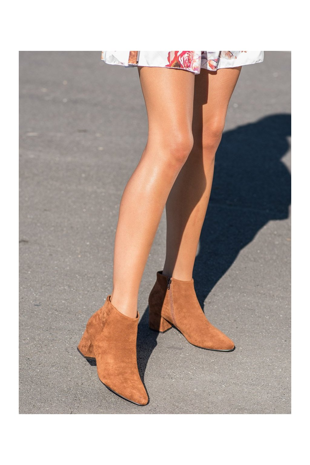 Hnedé dámske topánky Vinceza kod XY21-10561C