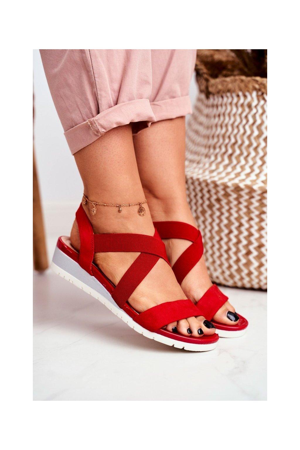 Dámske sandále na platforme farba červená kód obuvi NS116 RED