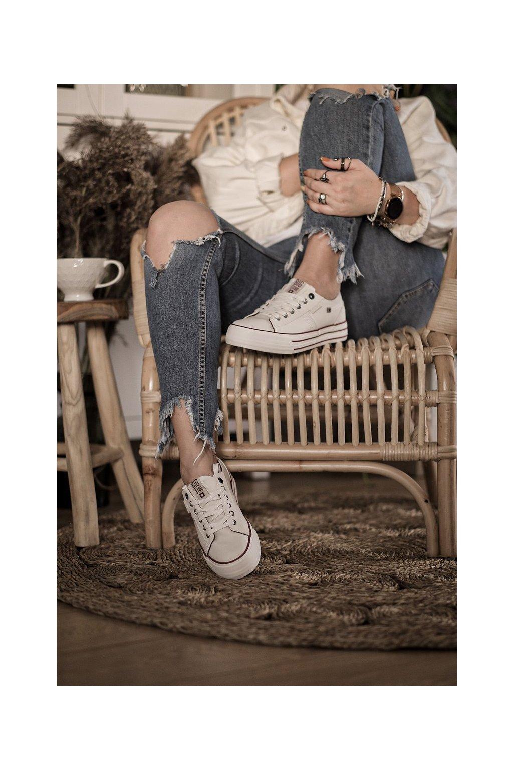 Dámske tenisky farba biela kód obuvi GG274140 WHITE