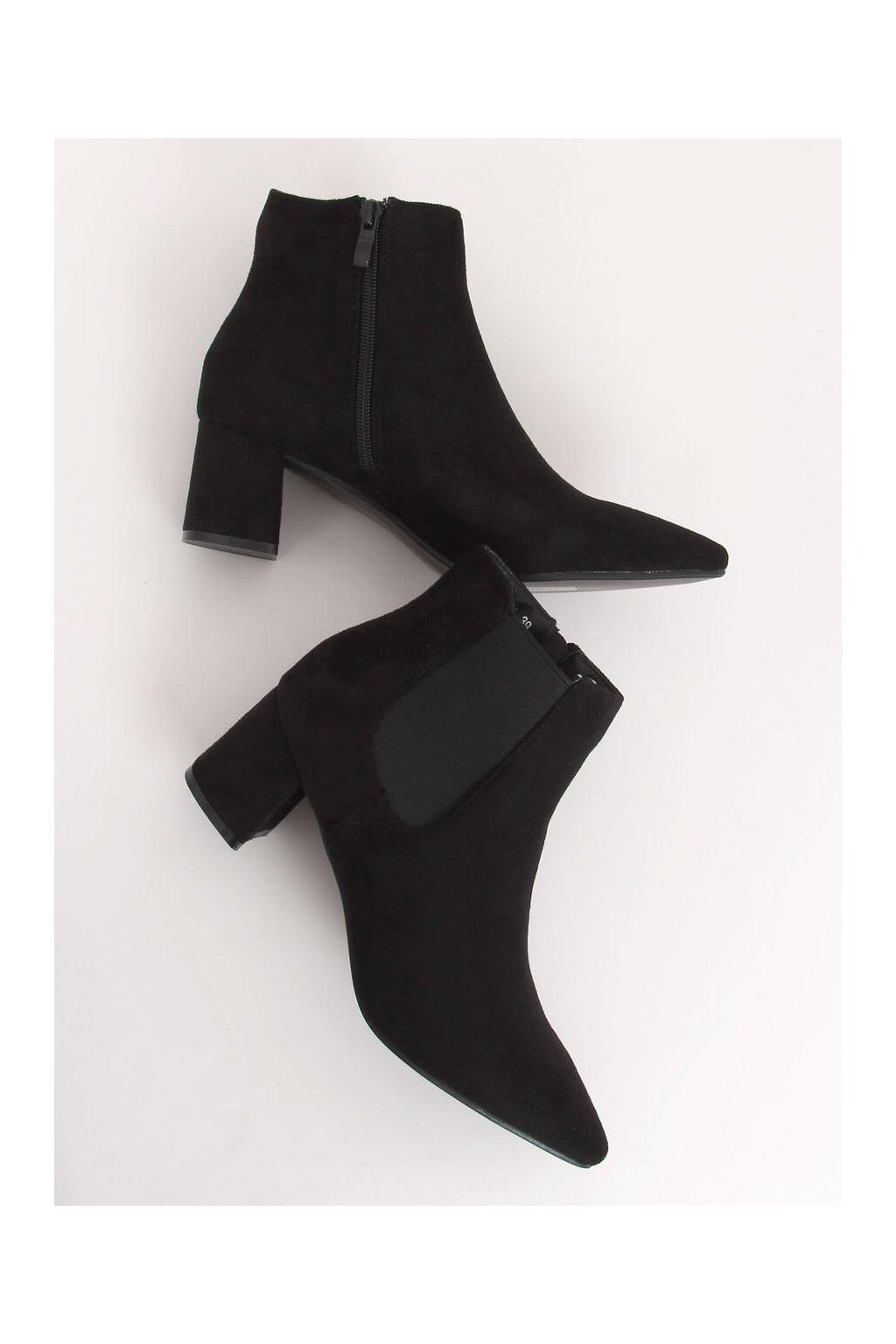 Dámske členkové topánky čierne na širokom podpätku W27012