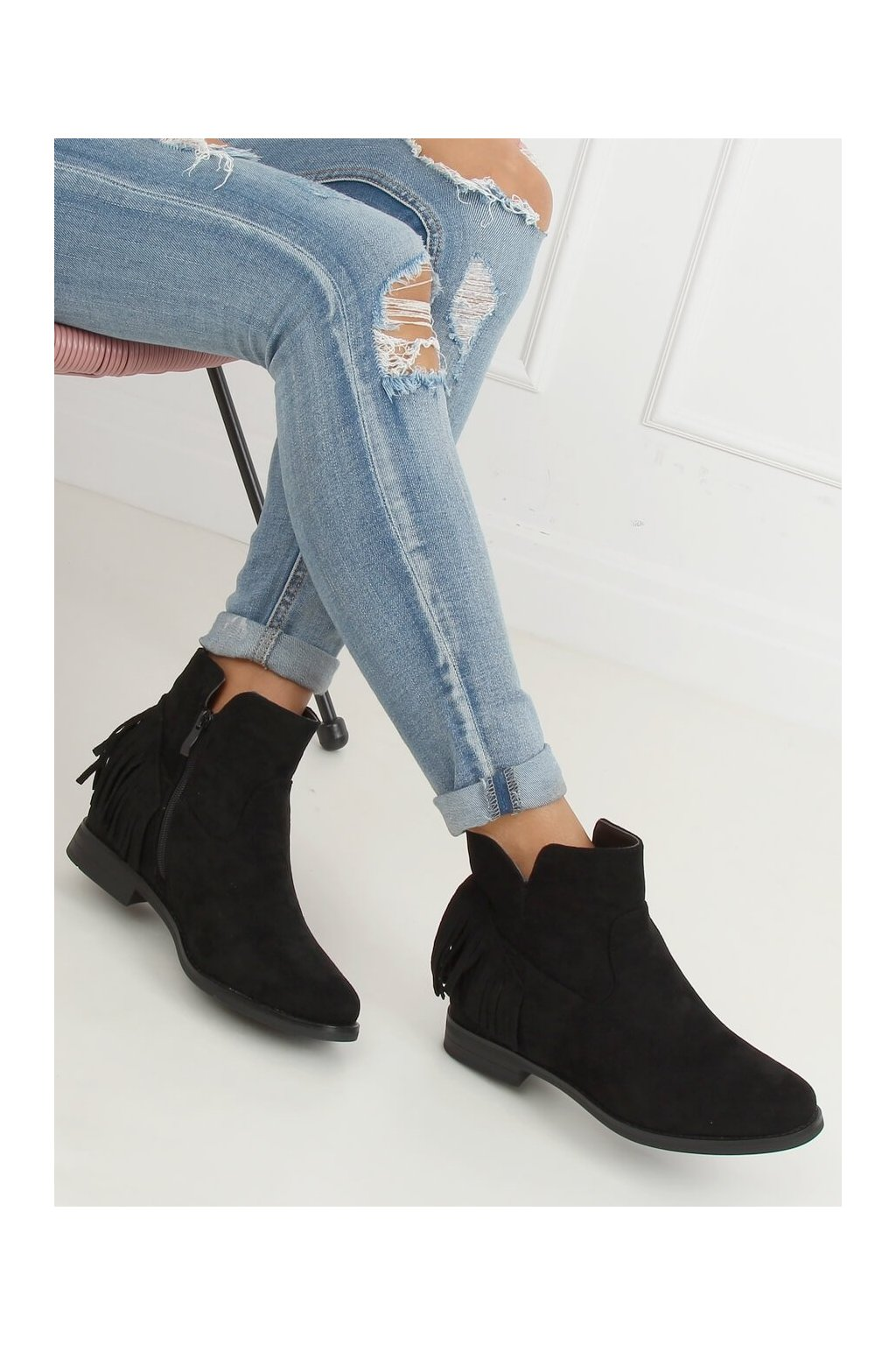 Dámske členkové topánky čierne na platforme 1515