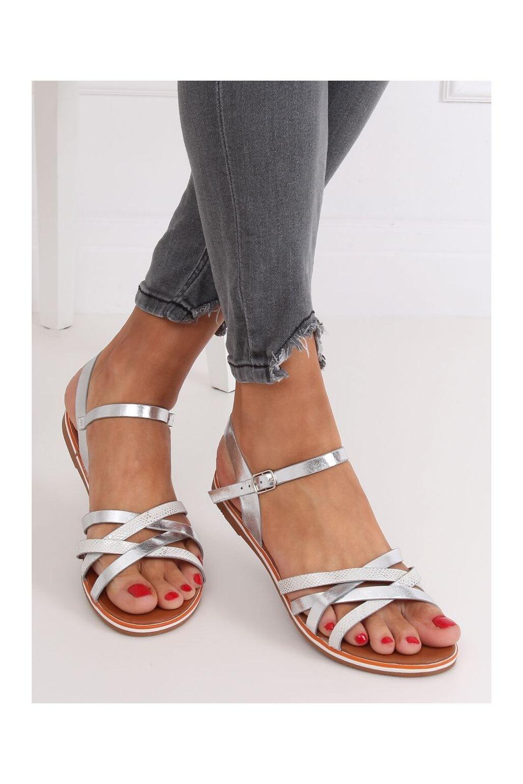 Dámske sandále sivé na plochom podpätku NJSK 99-62
