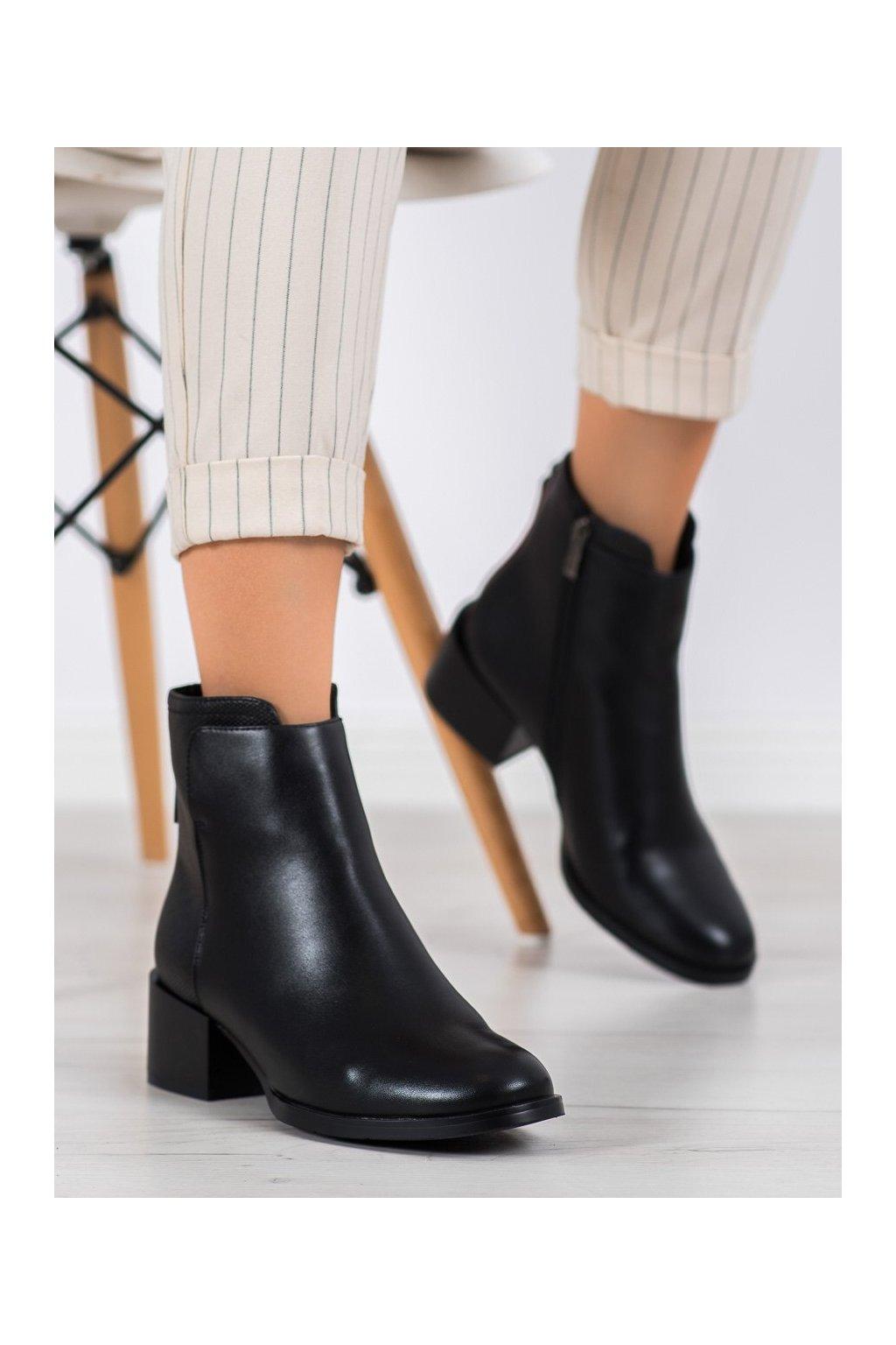 Čierne dámske topánky Filippo kod DBT1549/20B