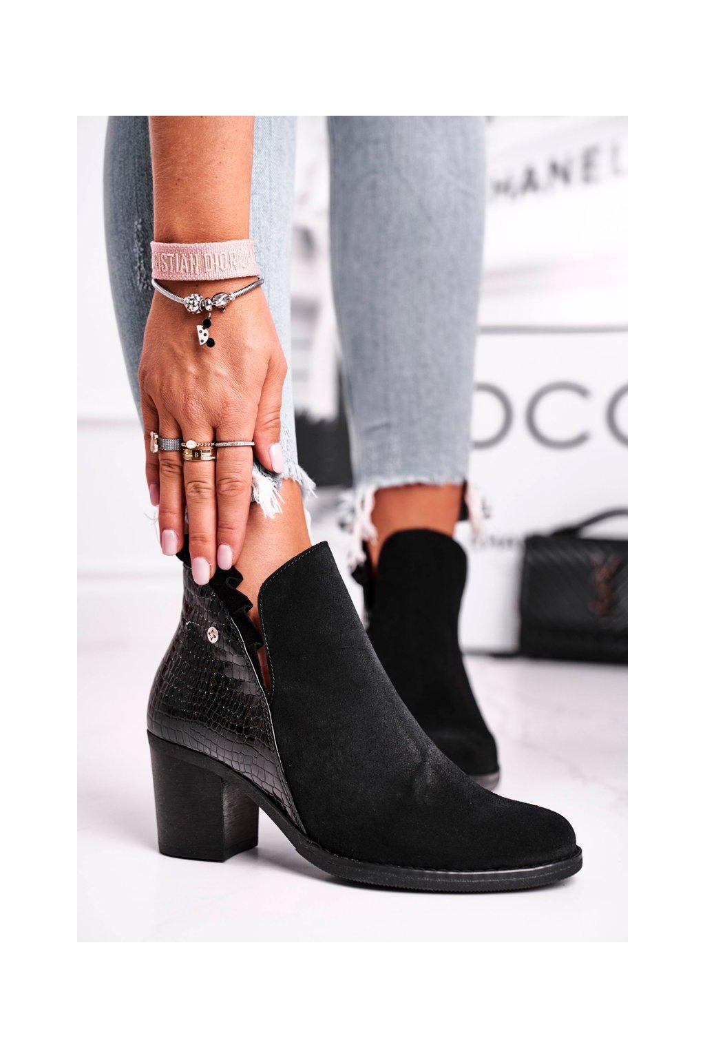 Členkové topánky na podpätku farba čierna kód obuvi 04833-01/00-5 BLK