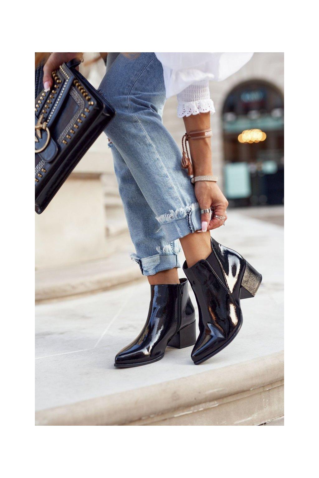 Členkové topánky na podpätku farba čierna kód obuvi BT621 BLK LAC