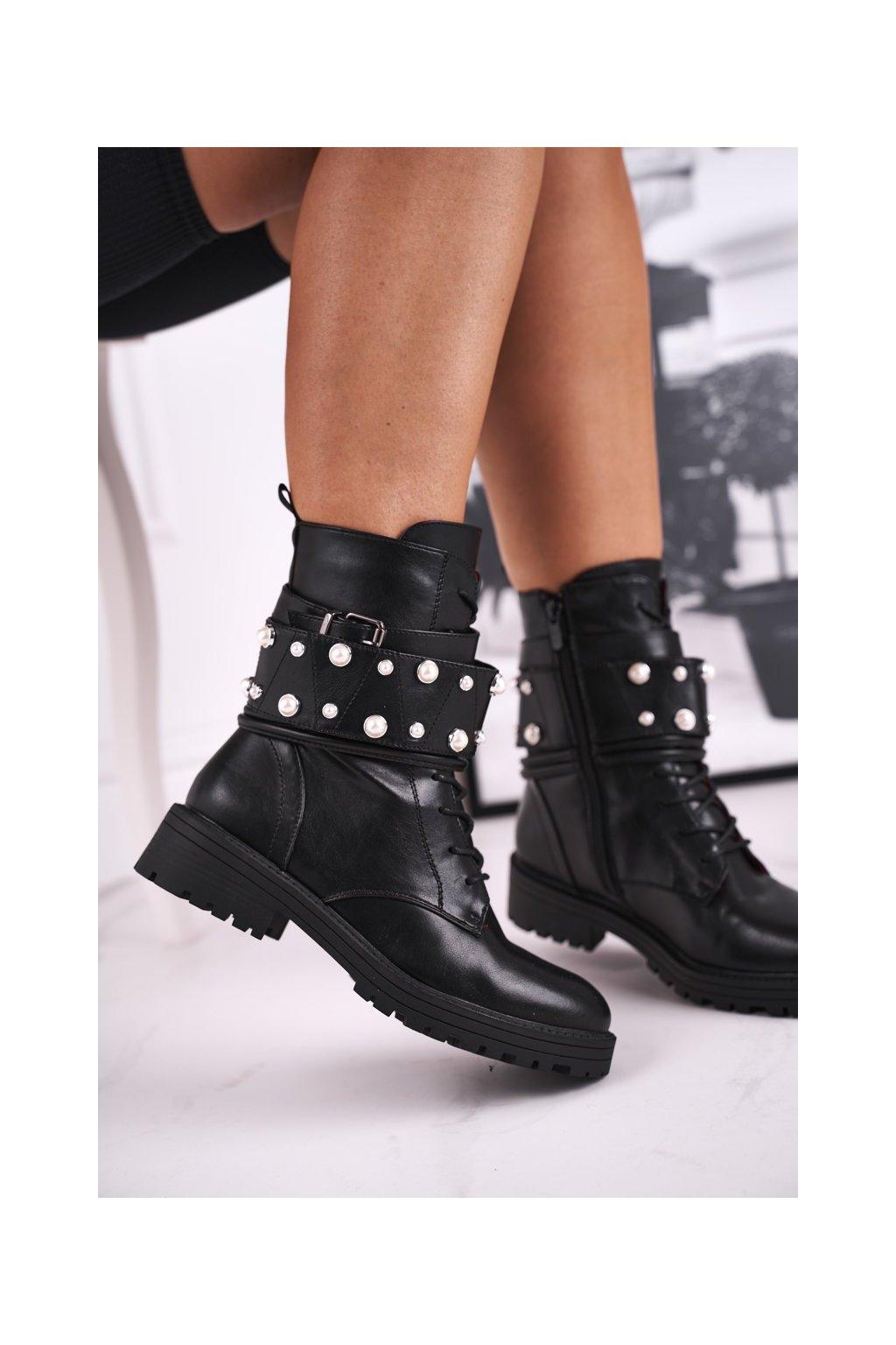 Členkové topánky na podpätku farba čierna kód obuvi M517 BLK