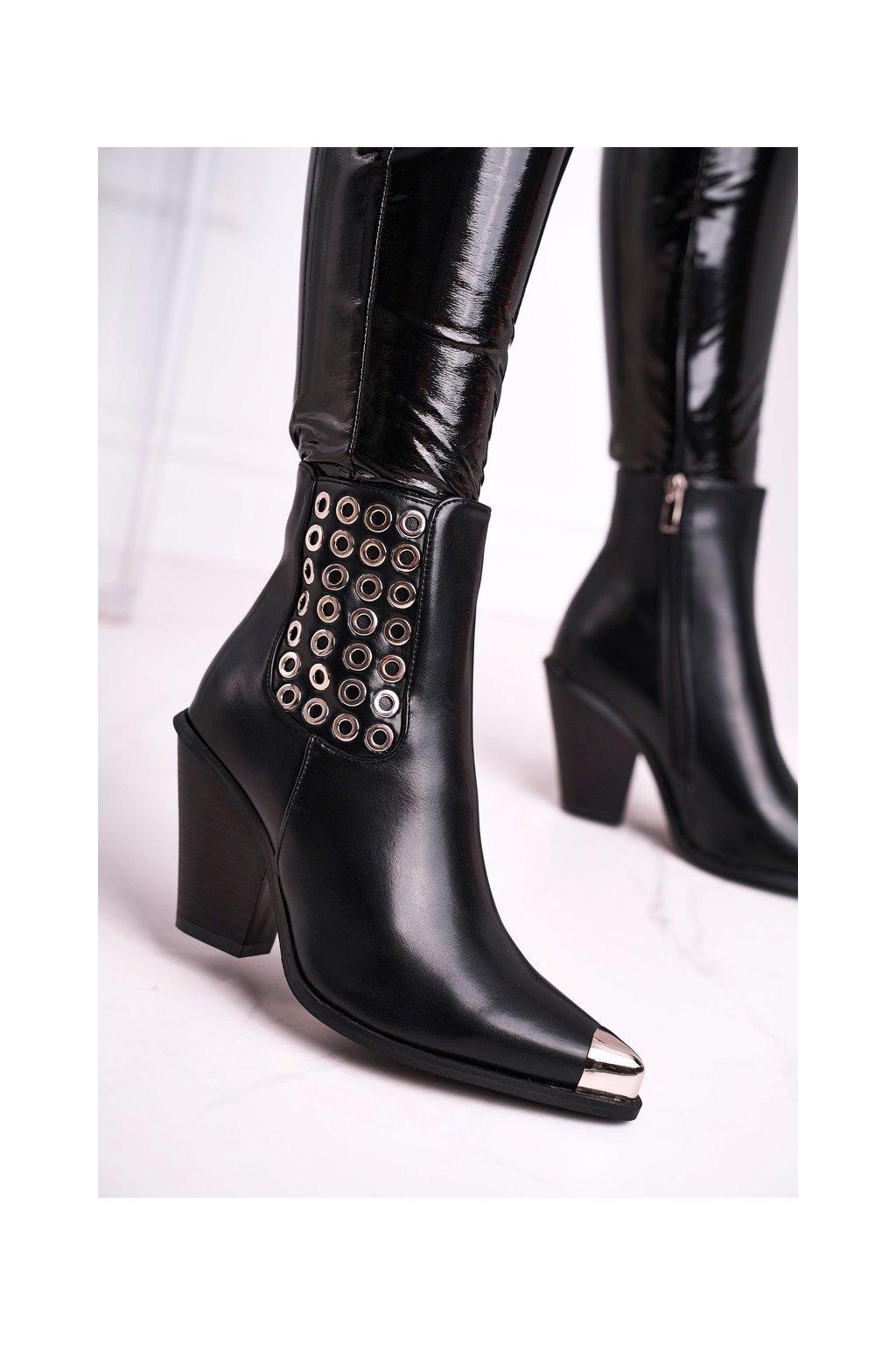 Členkové topánky na podpätku farba čierna kód obuvi C-151 BLK