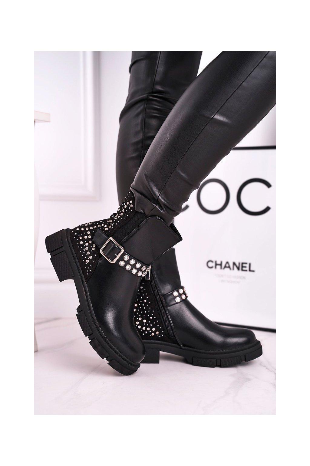Členkové topánky na podpätku farba čierna kód obuvi C-162 BLK