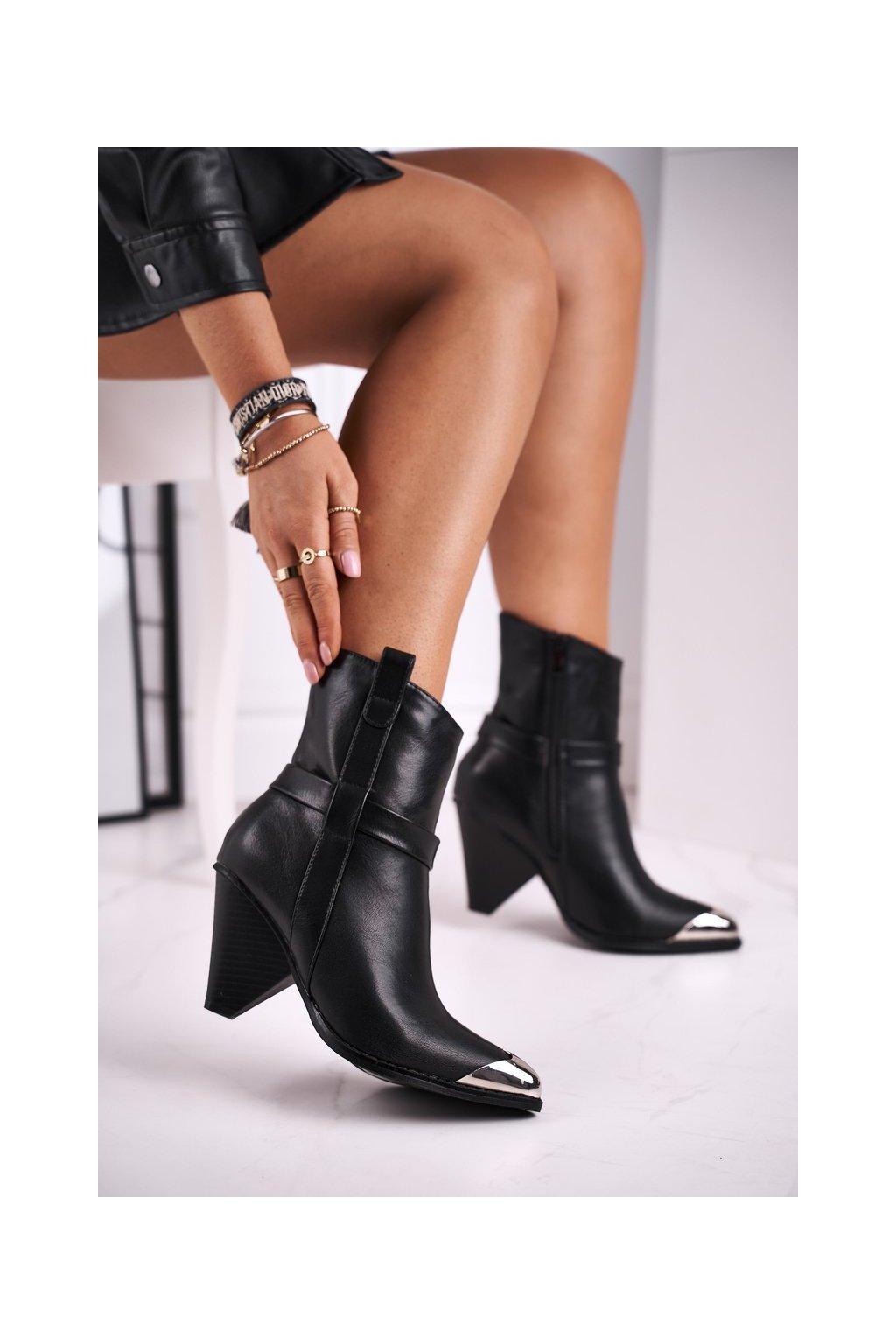 Členkové topánky na podpätku farba čierna kód obuvi L1287 BLK