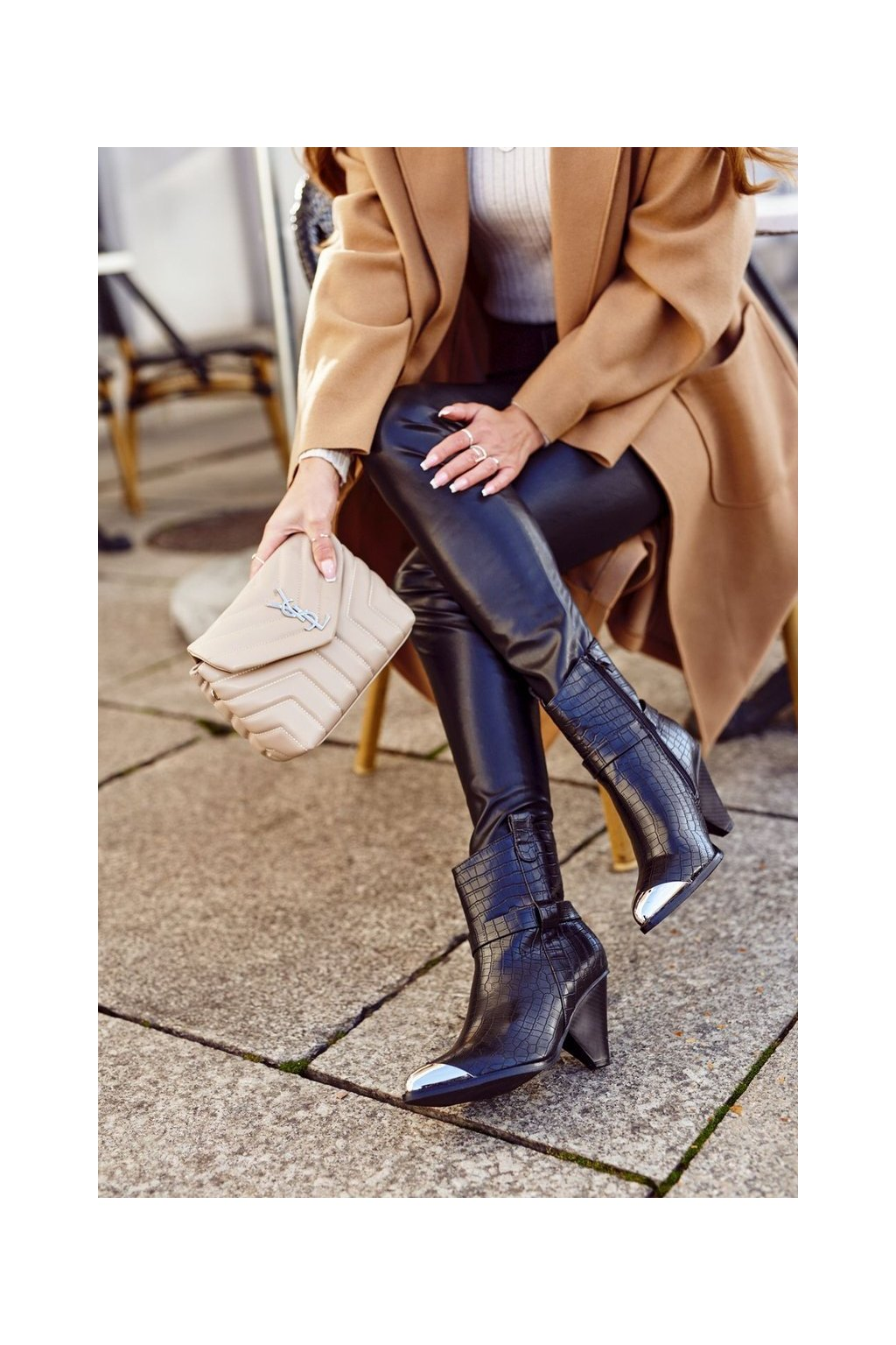 Členkové topánky na podpätku farba čierna kód obuvi L1292 BLK