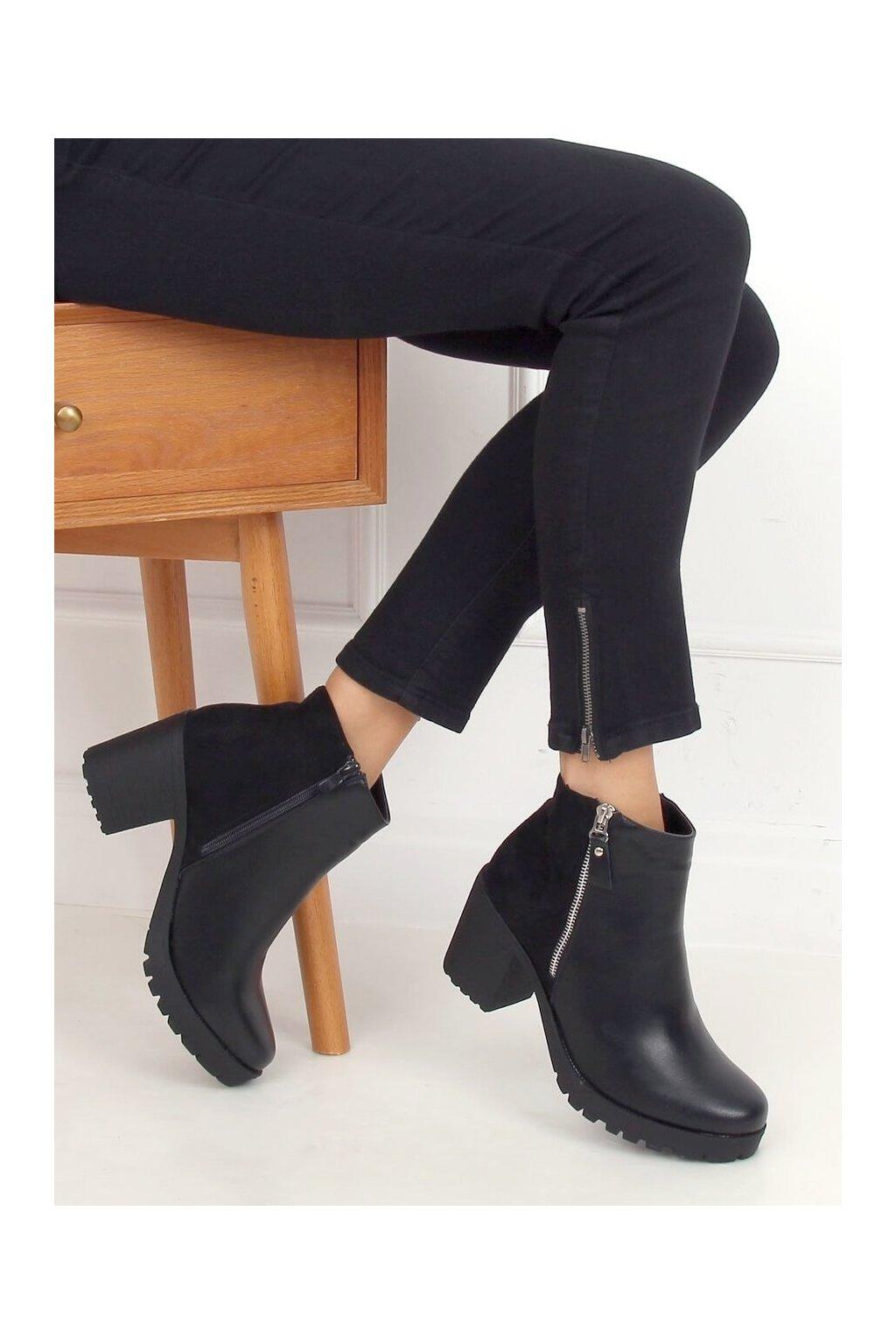 Dámske členkové topánky čierne na širokom podpätku 15-20