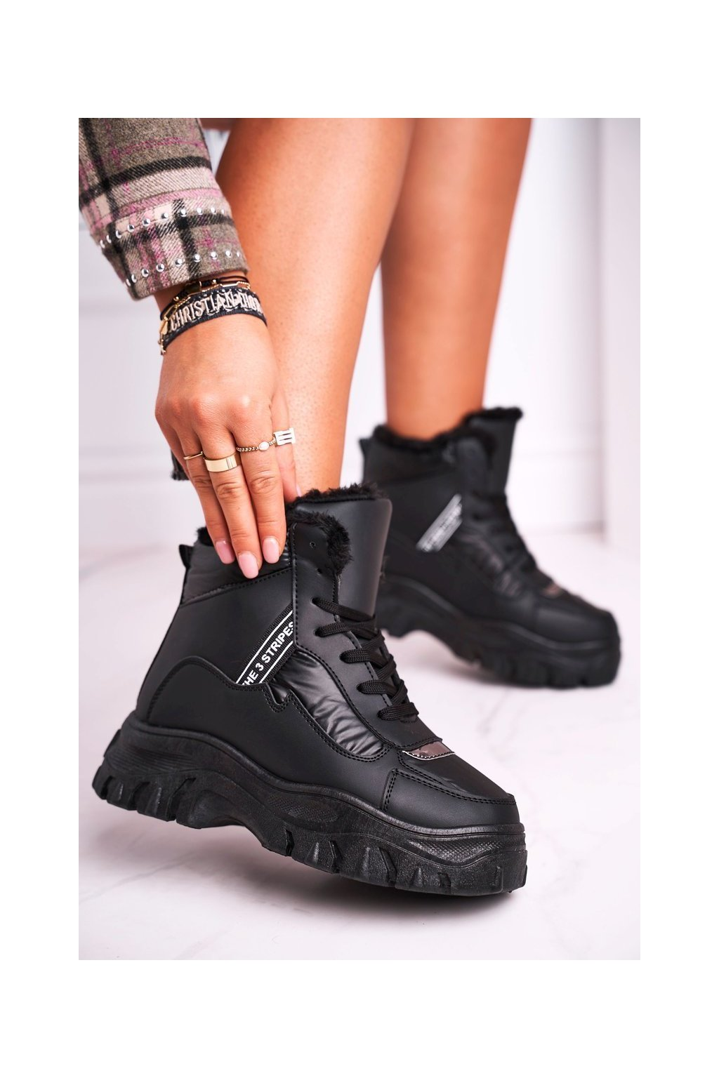 Dámske snehule farba čierna kód obuvi C-3138 BLK