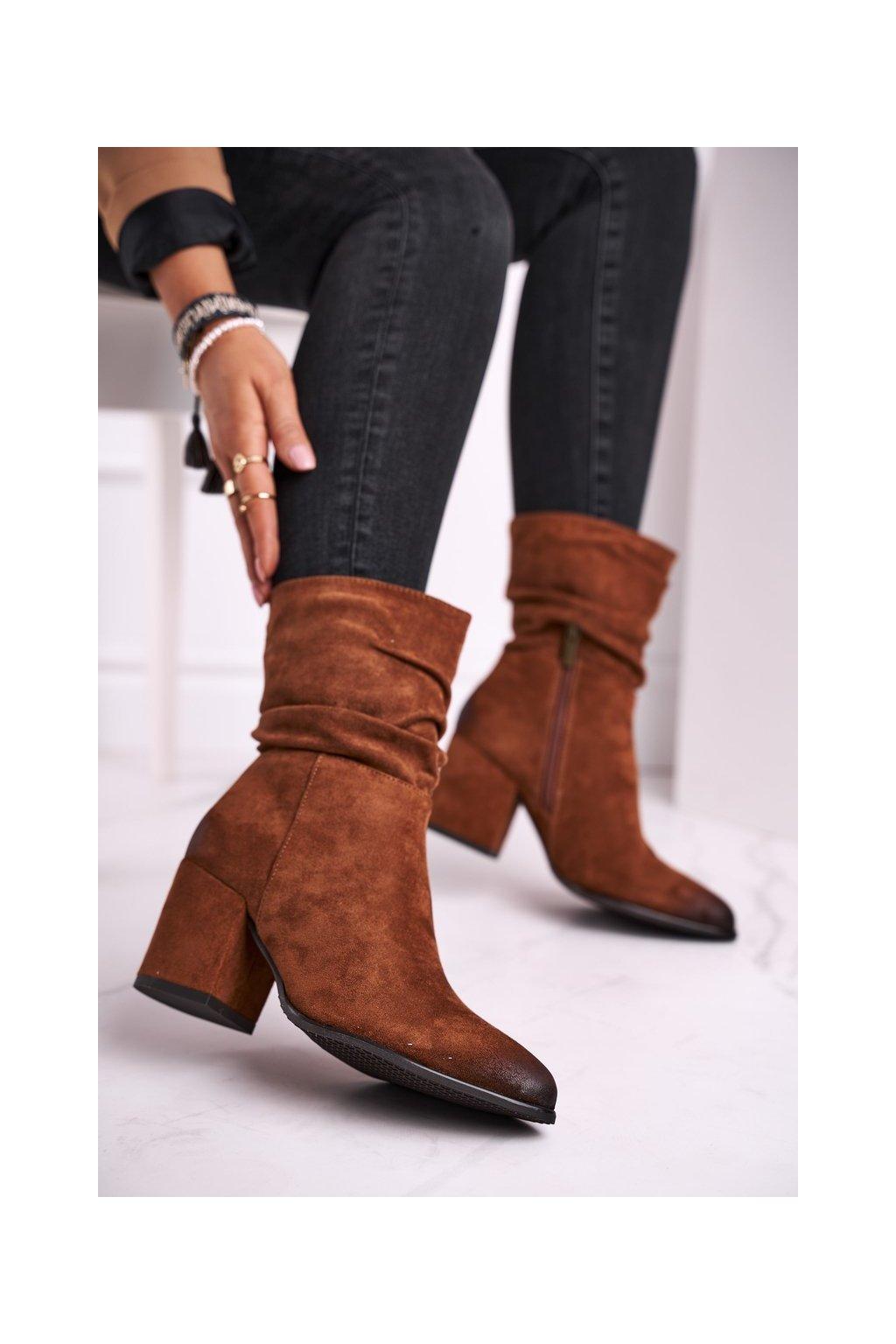 Členkové topánky na podpätku farba hnedá kód obuvi 21-10556 CAMEL