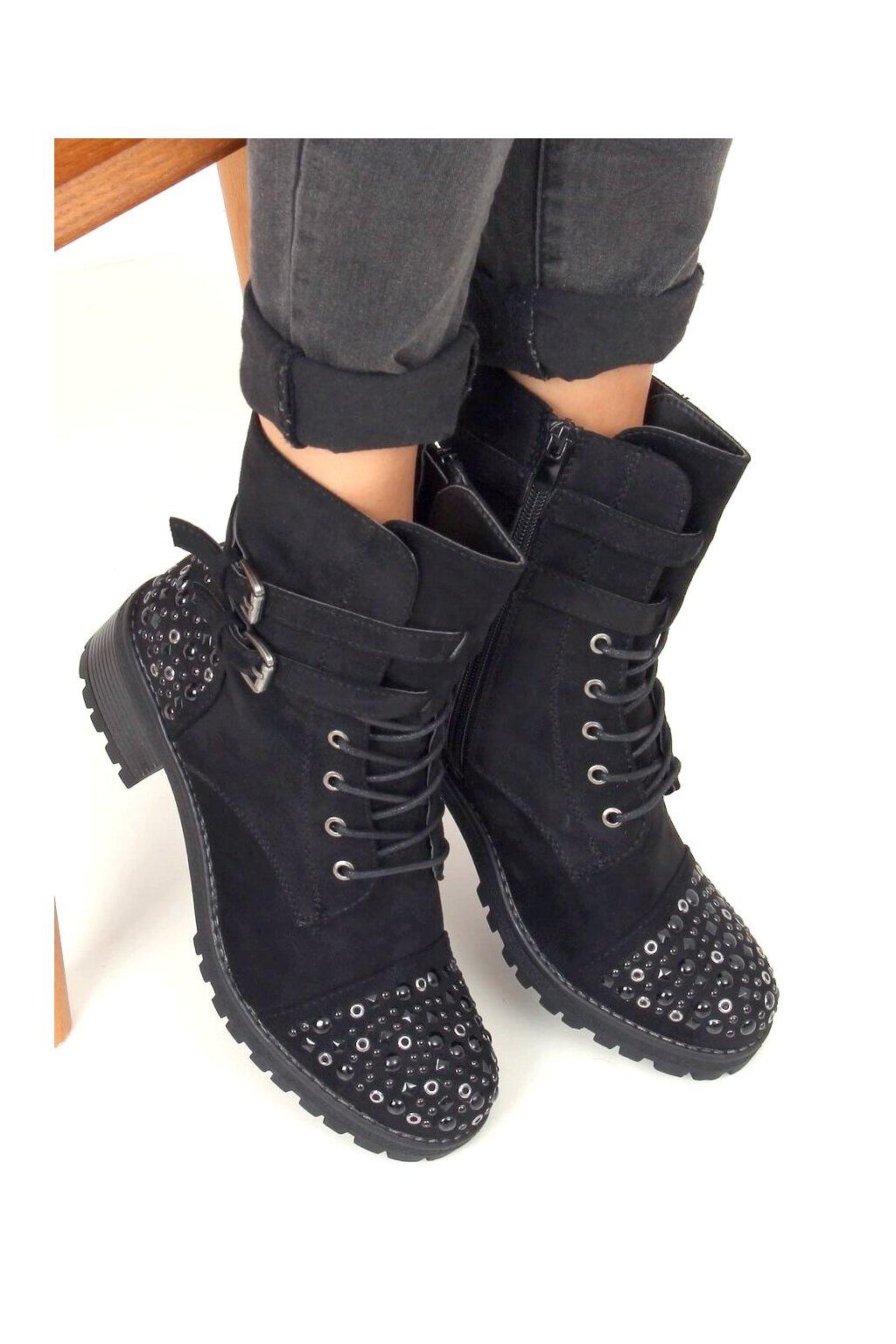 Dámske členkové topánky čierne na širokom podpätku 88063