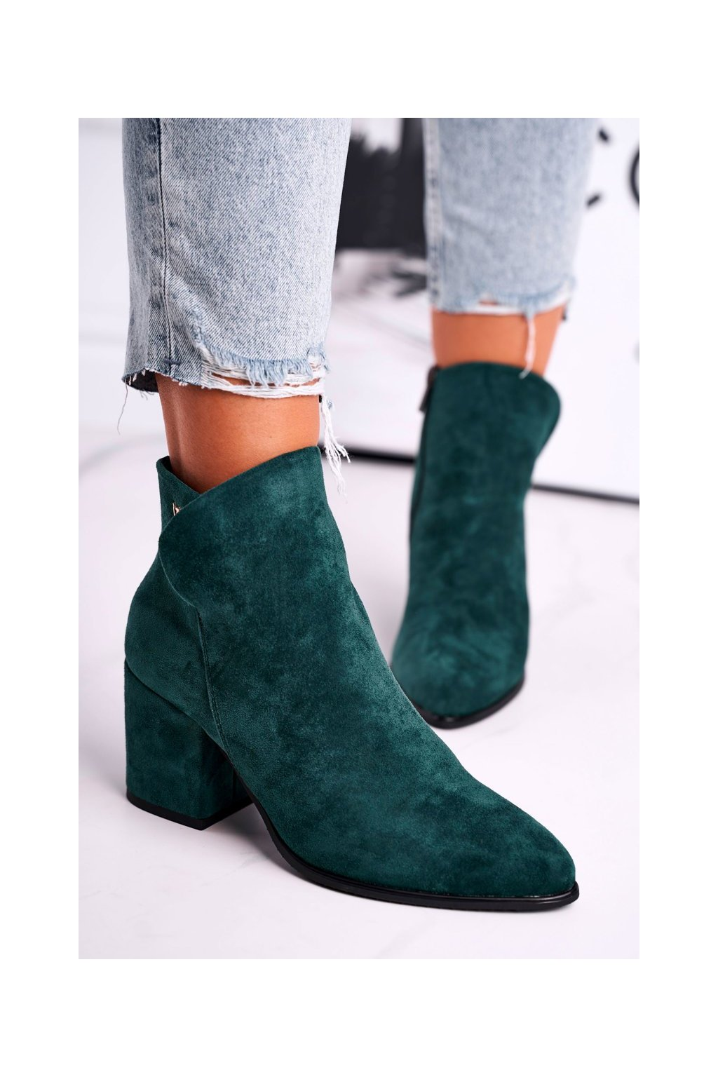 Členkové topánky na podpätku farba zelená kód obuvi 21-10555 GREEN