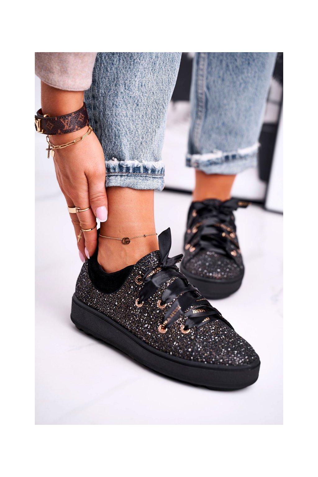 Dámske tenisky farba čierna kód obuvi 2045 BLK 089-081