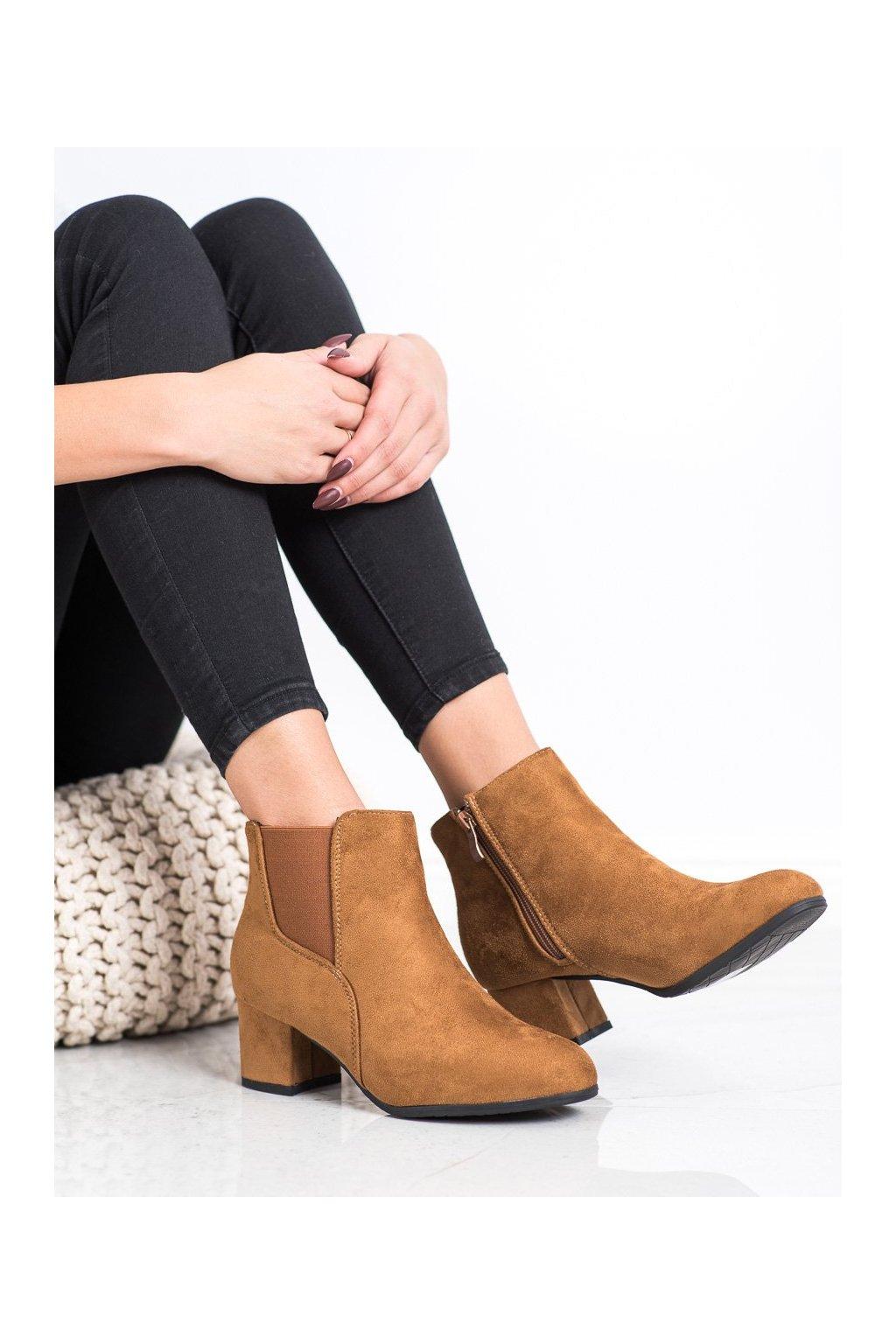 Hnedé dámske topánky Clowse kod 9B1100C