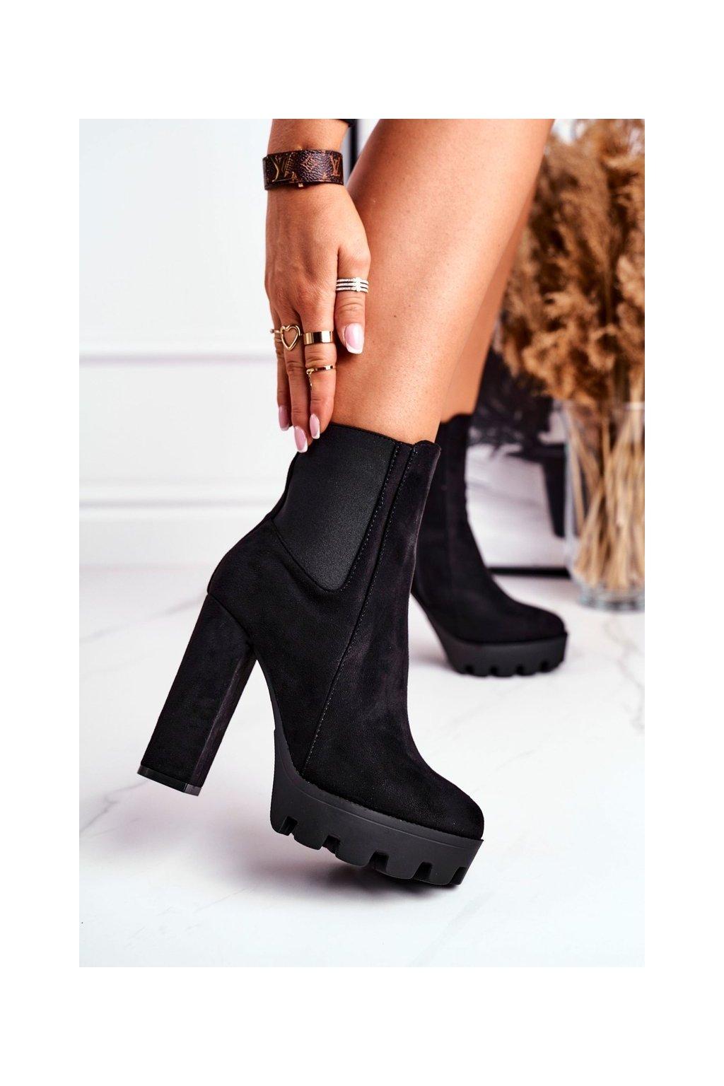 Členkové topánky na podpätku farba čierna kód obuvi 2020-16 BLK
