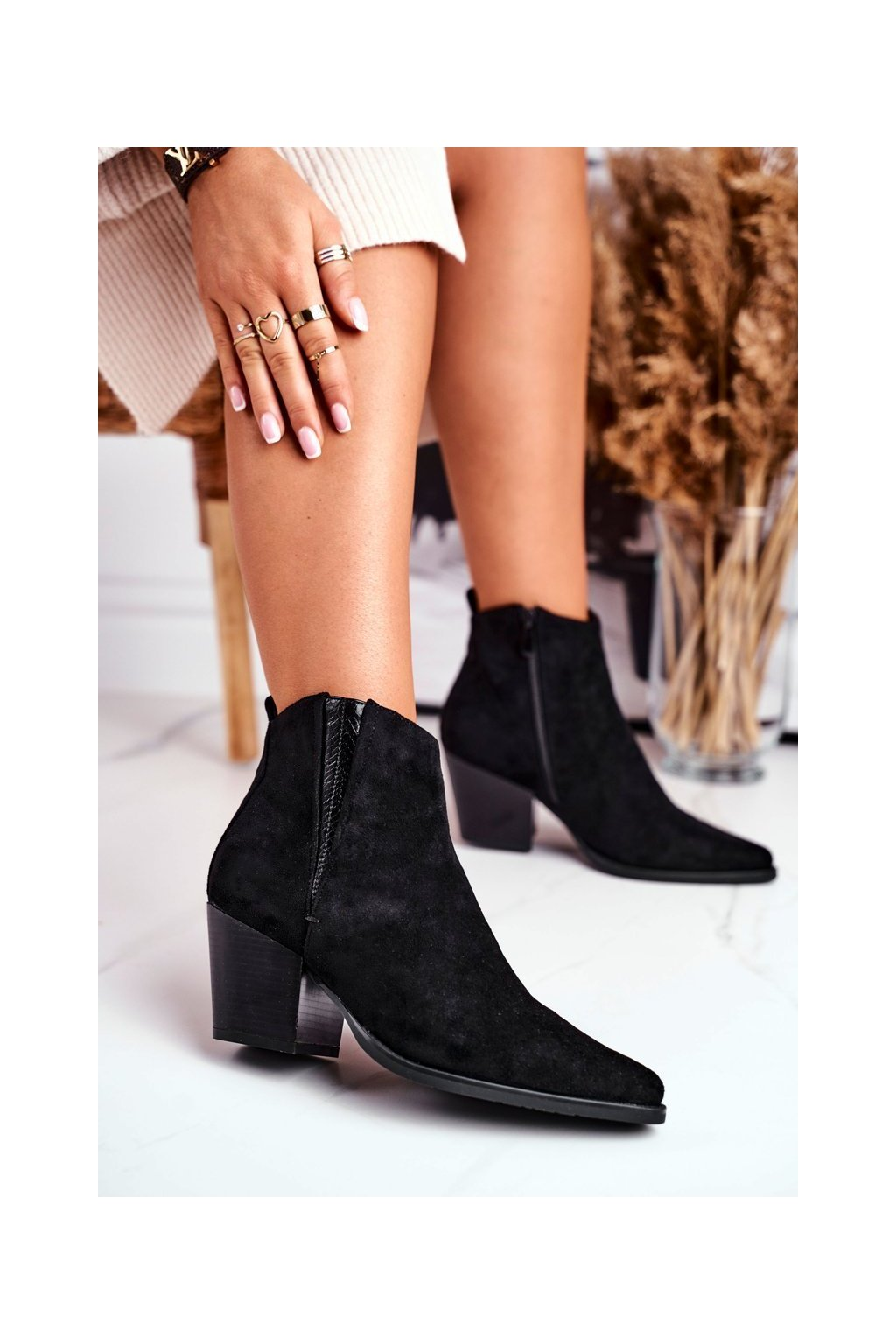 Členkové topánky na podpätku farba čierna kód obuvi 19051-11 BLK