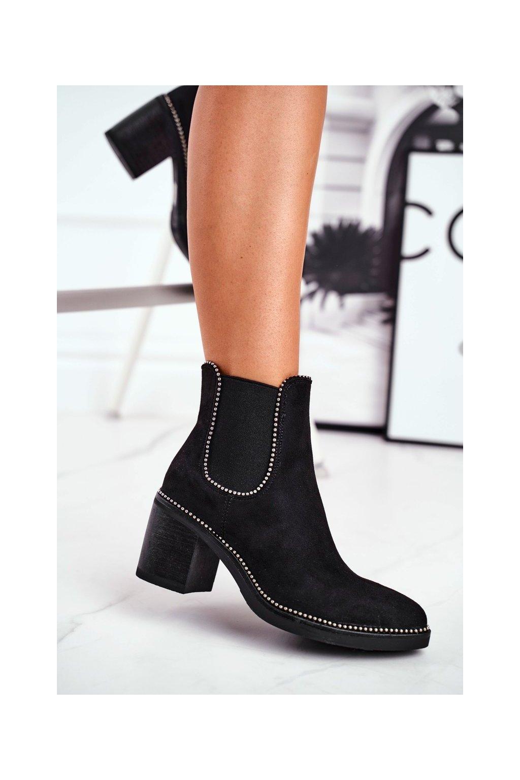 Členkové topánky na podpätku farba čierna kód obuvi 15672 BLK