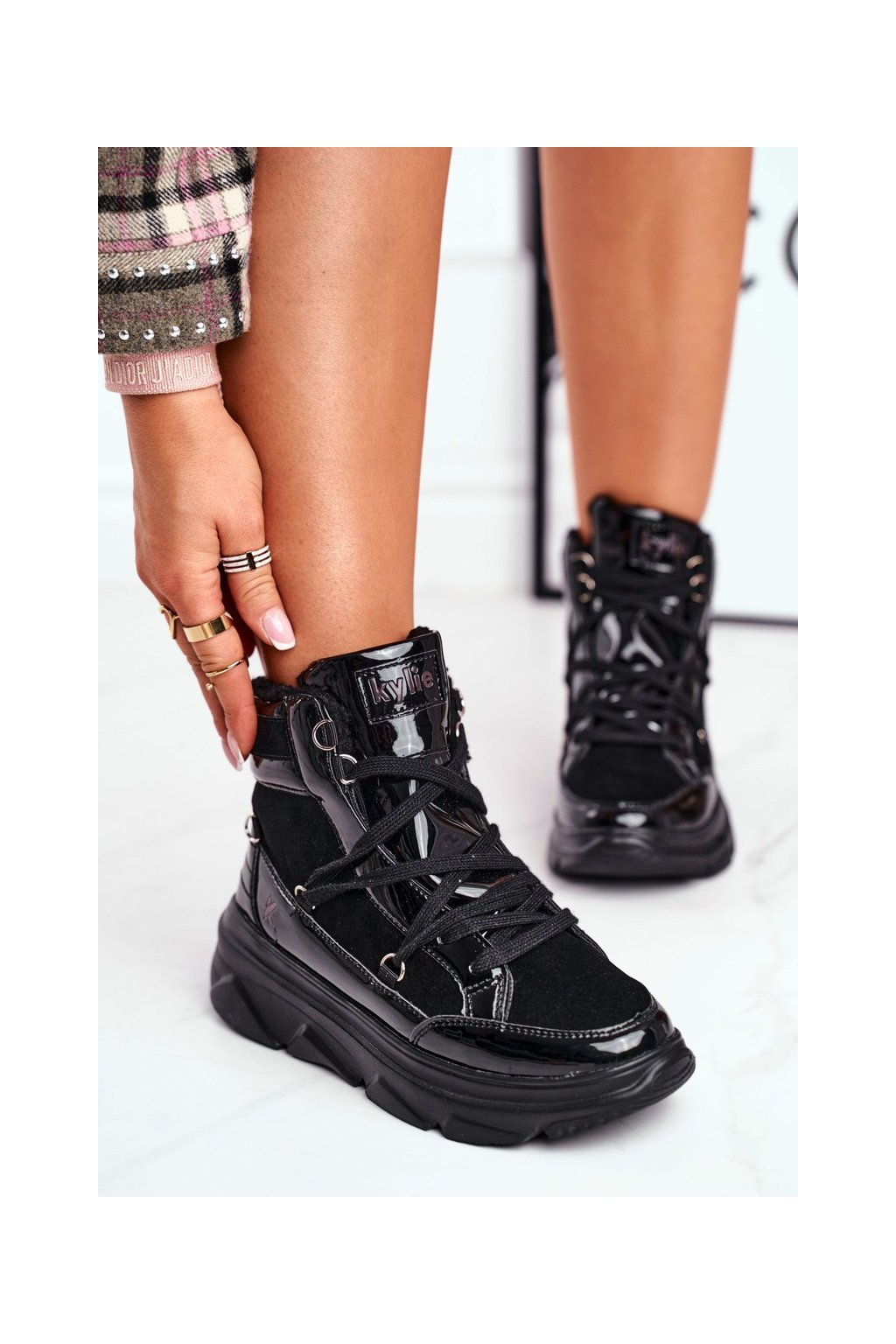 Dámske tenisky farba čierna kód obuvi W20-1005 BLK