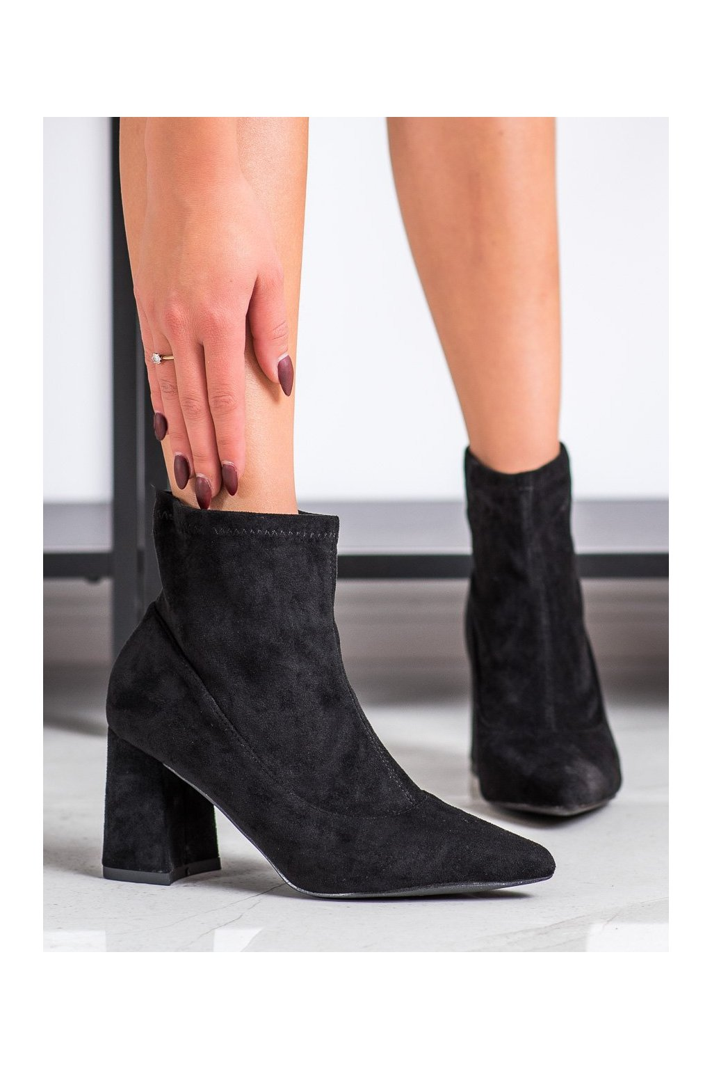 Čierne dámske topánky Shelovet kod A12-025B