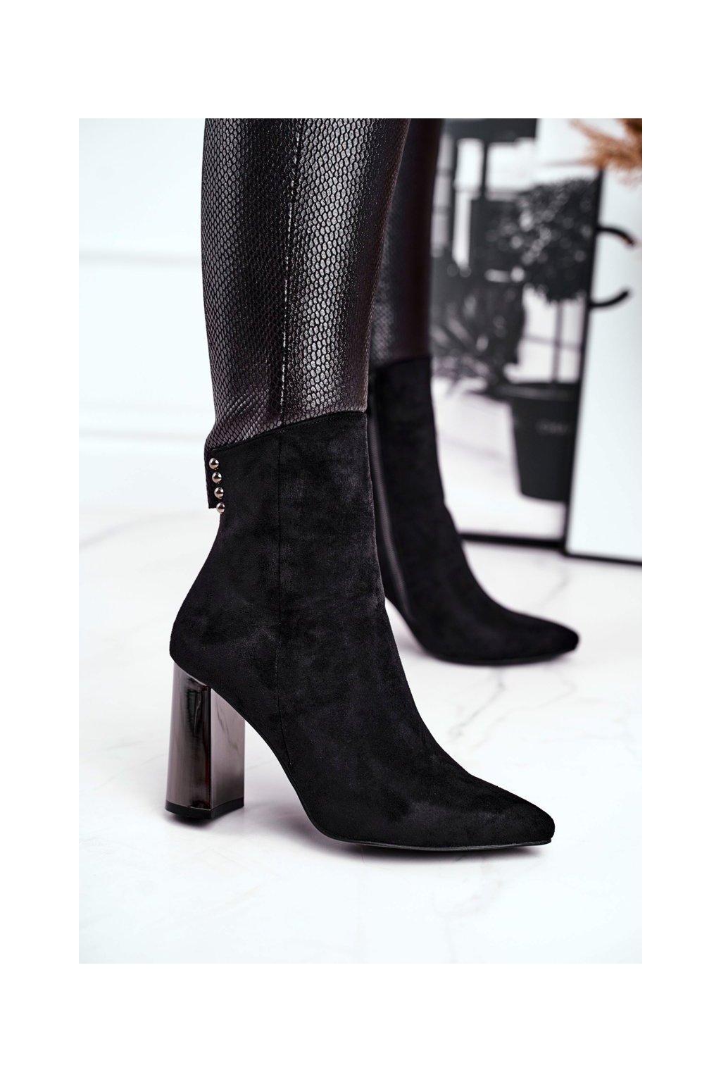 Členkové topánky na podpätku farba čierna kód obuvi KL-703 BLACK