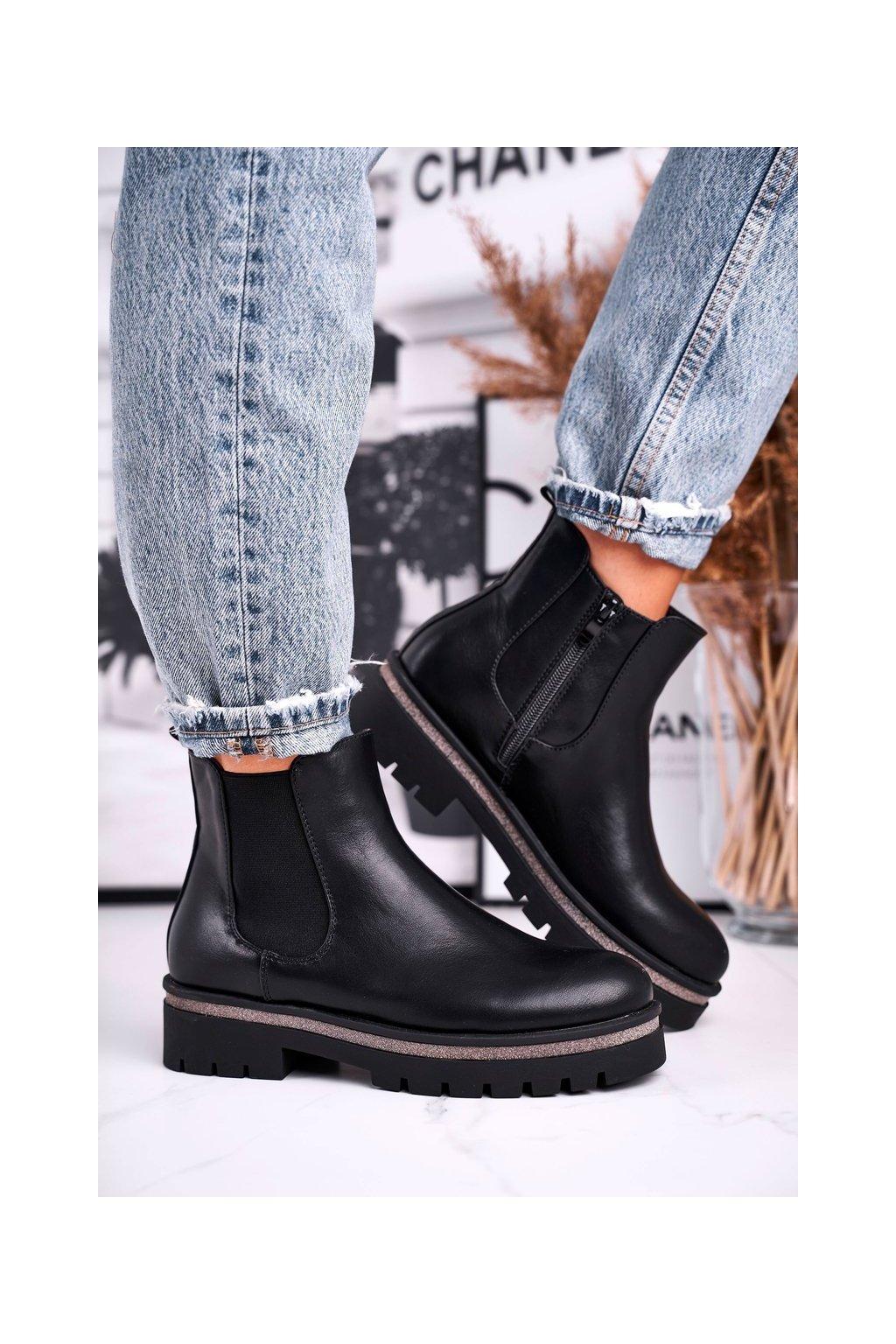 Členkové topánky na podpätku farba čierna kód obuvi C673 BLK