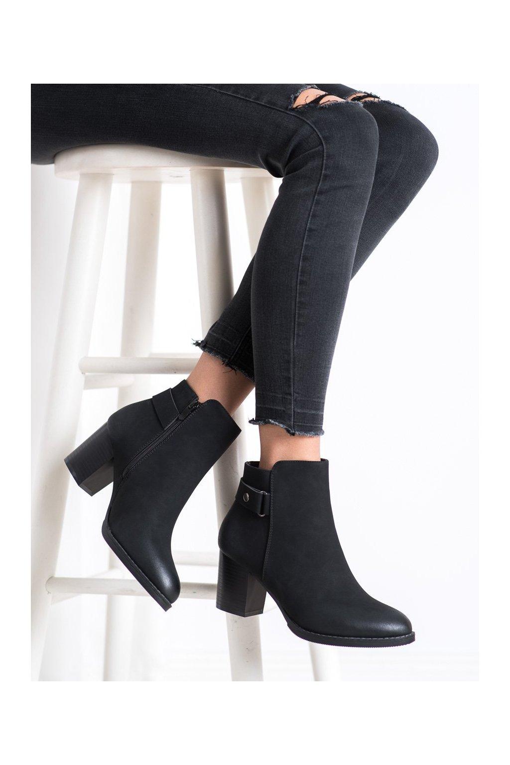 Čierne dámske topánky J. star kod 20Y8133B