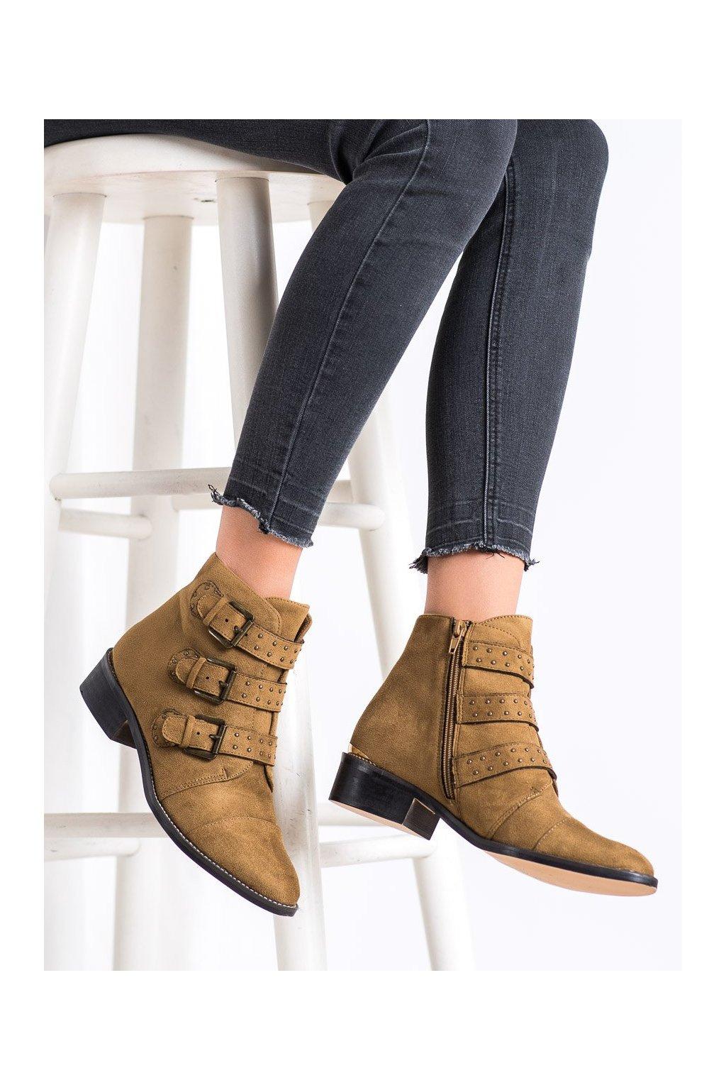 Hnedé dámske topánky Corina kod C9681C