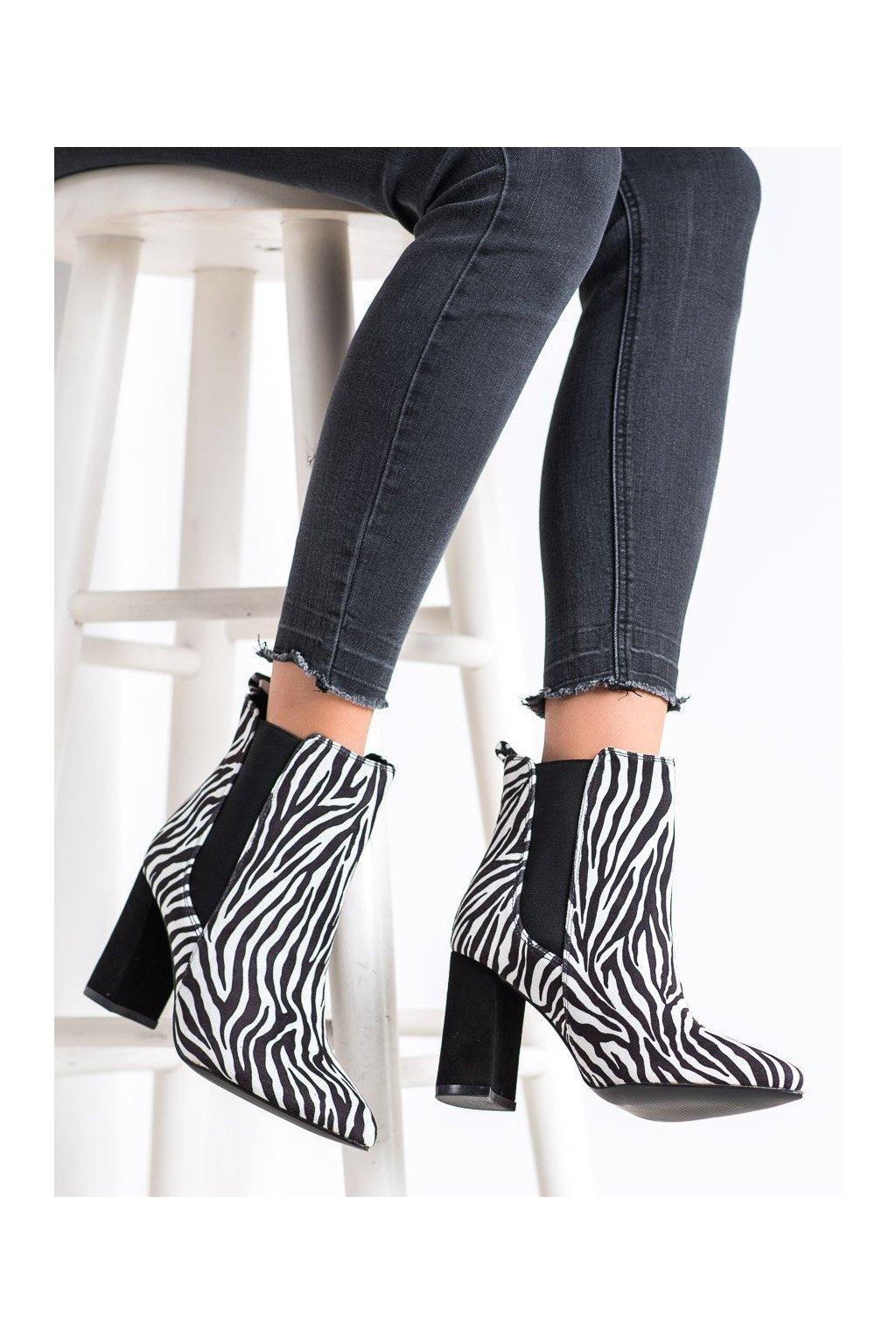 Zvierací motív dámske topánky Corina kod C9578ZE