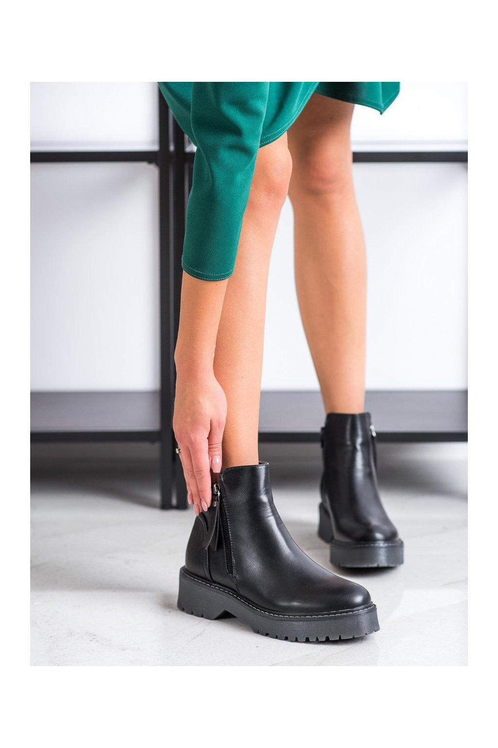 Čierne dámske topánky J. star kod 20Y8138B