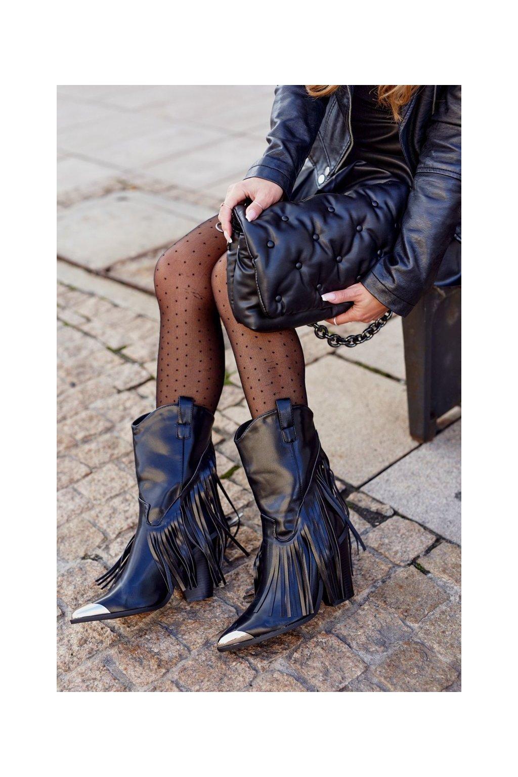 Členkové topánky na podpätku farba čierna kód obuvi 15810 BLK