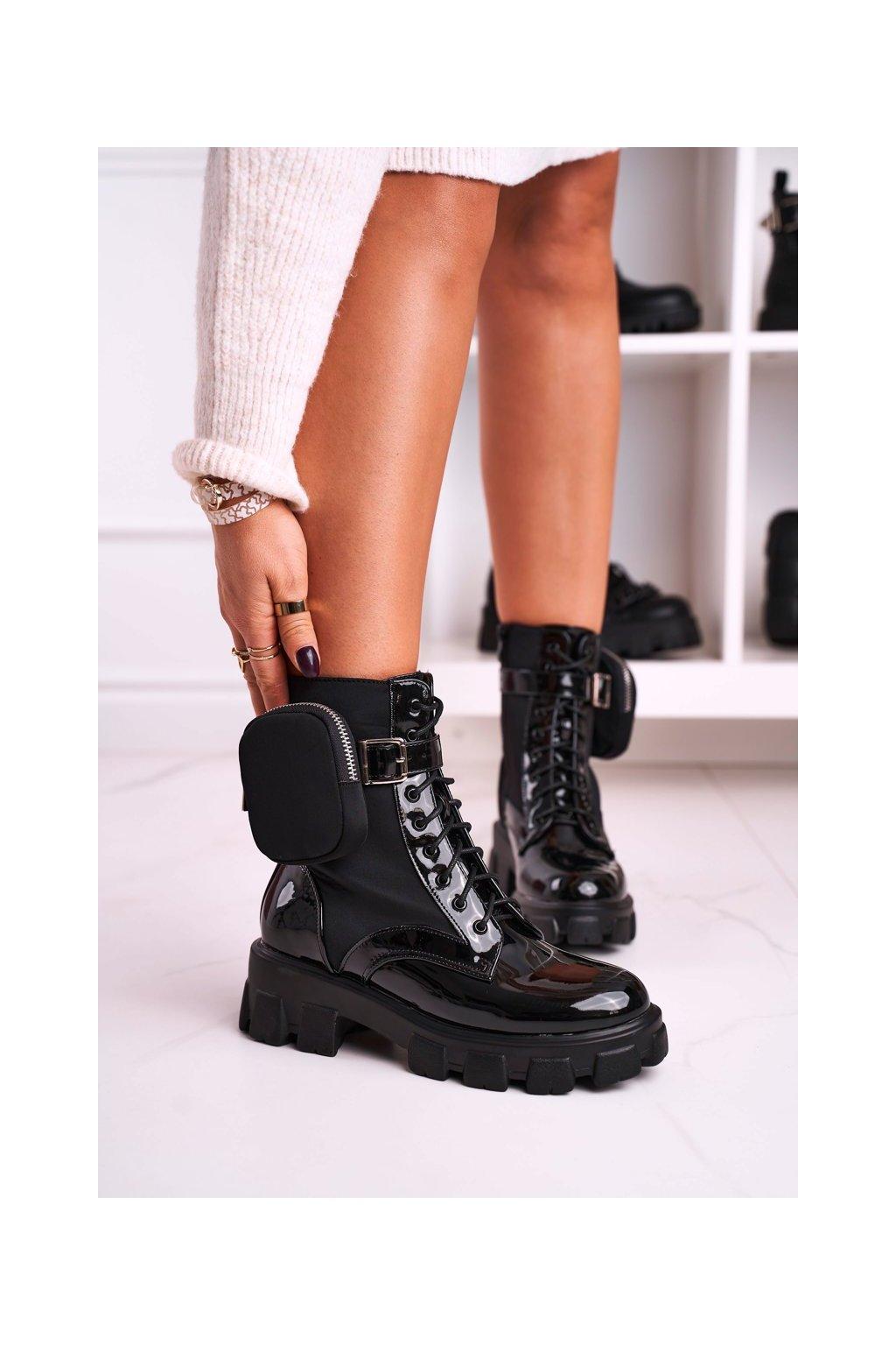 Členkové topánky na podpätku farba čierna kód obuvi 128-B1 SHINY BLK
