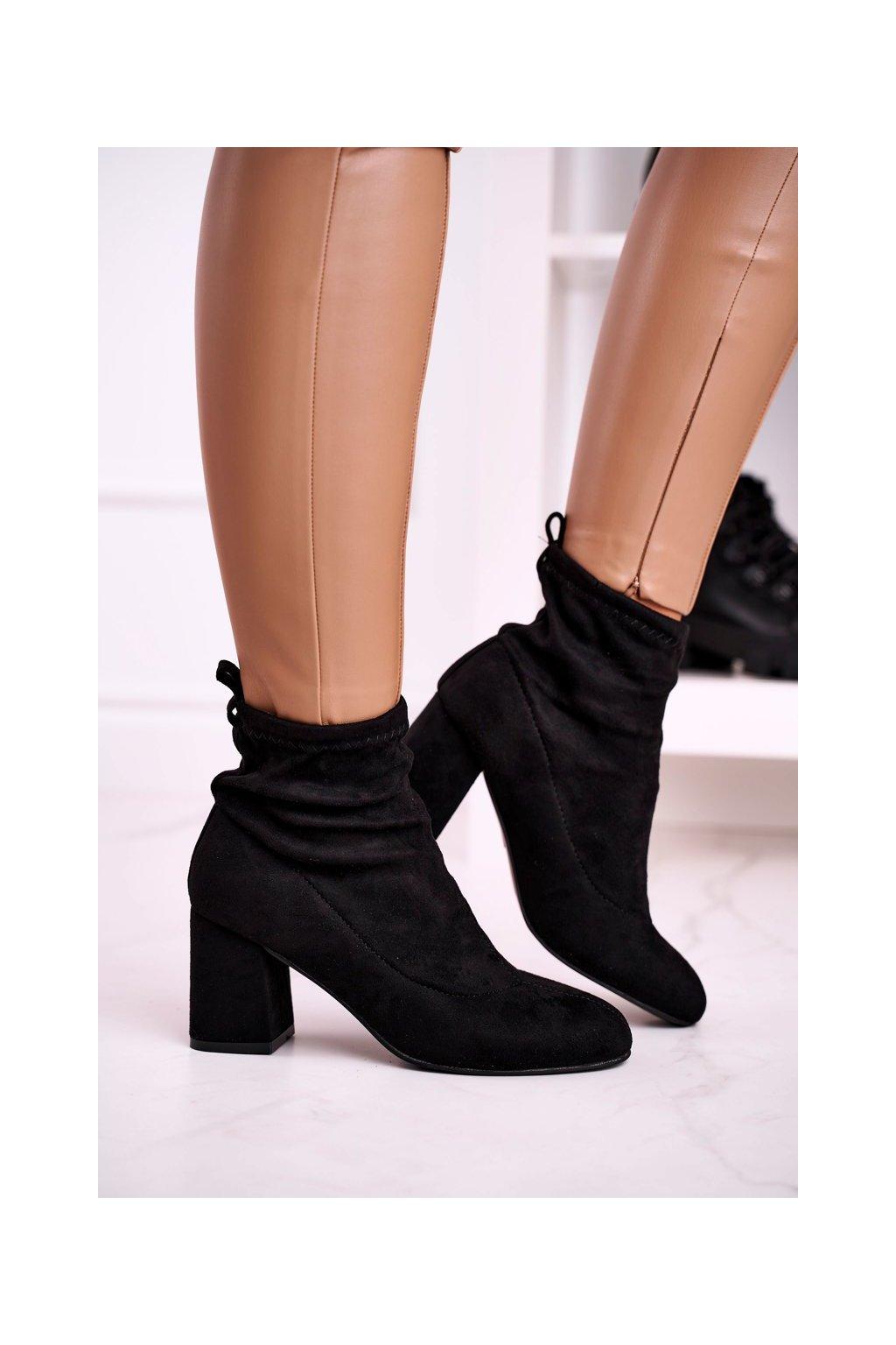 Členkové topánky na podpätku farba čierna kód obuvi W05-33 BLACK