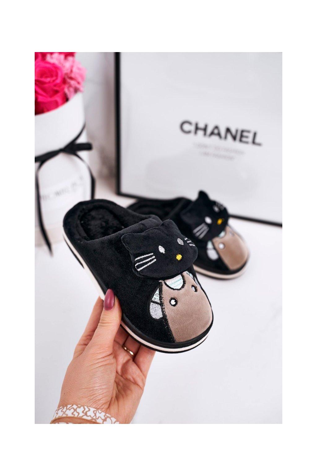 Detské šľapky farba čierna kód obuvi WG-220 BLACK