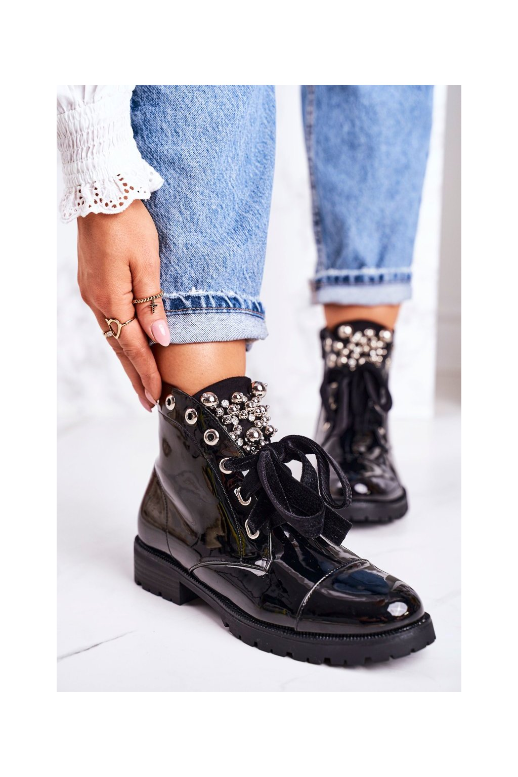 Členkové topánky na podpätku farba čierna kód obuvi A3398E BLK SHINY