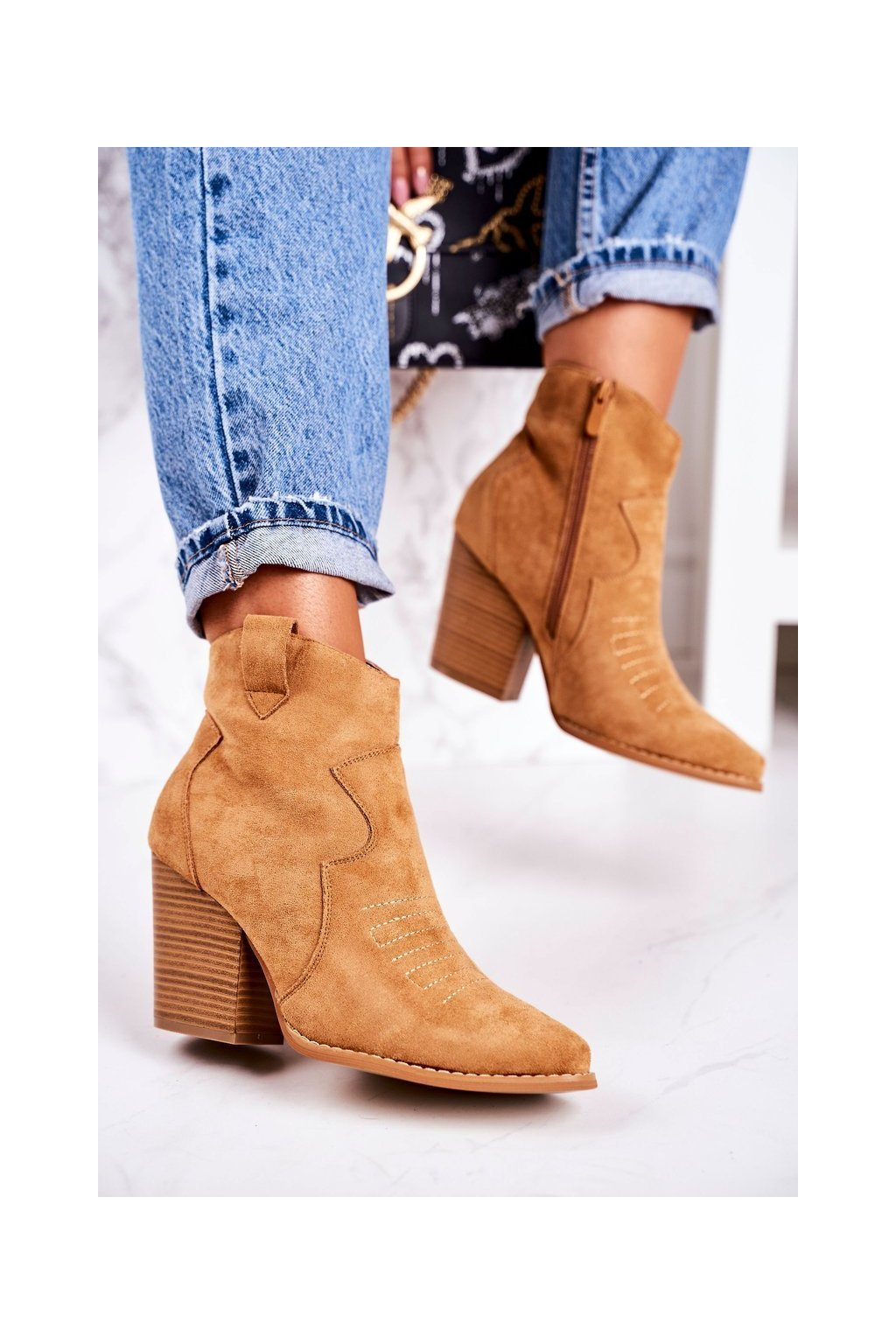 Členkové topánky na podpätku farba hnedá kód obuvi A5602-32 CAMEL