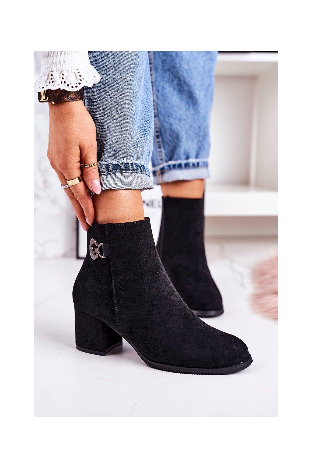 Členkové topánky na podpätku farba čierna kód obuvi 20Y8055-1 BLACK