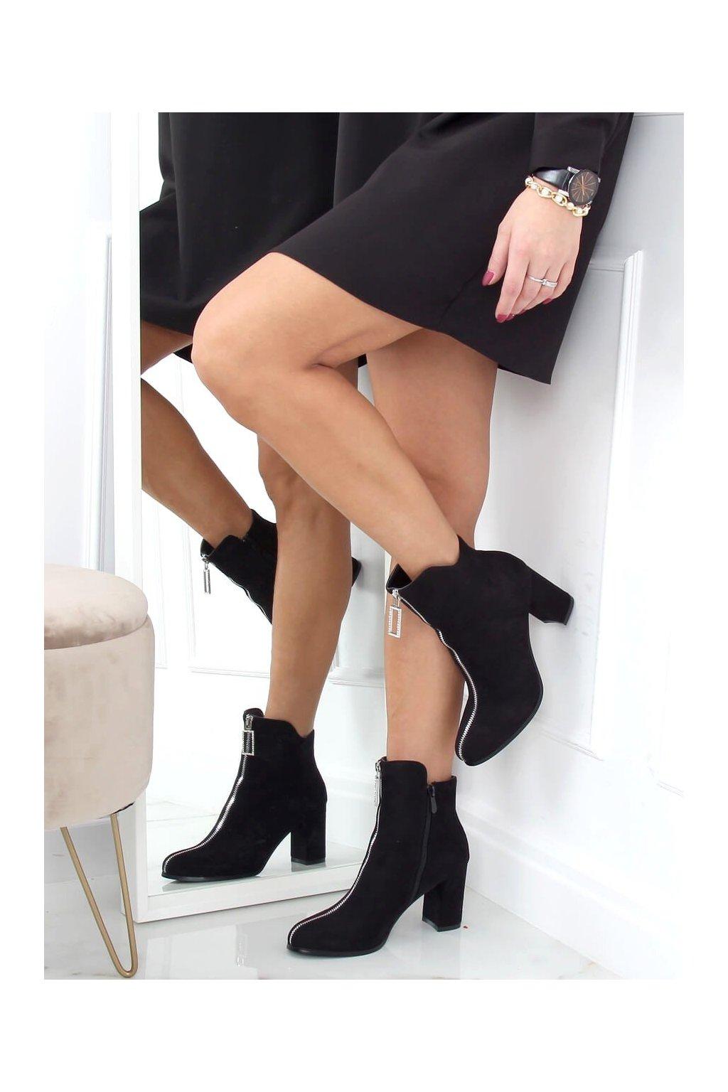 Dámske členkové topánky čierne na stĺpovom podpätku 0-320
