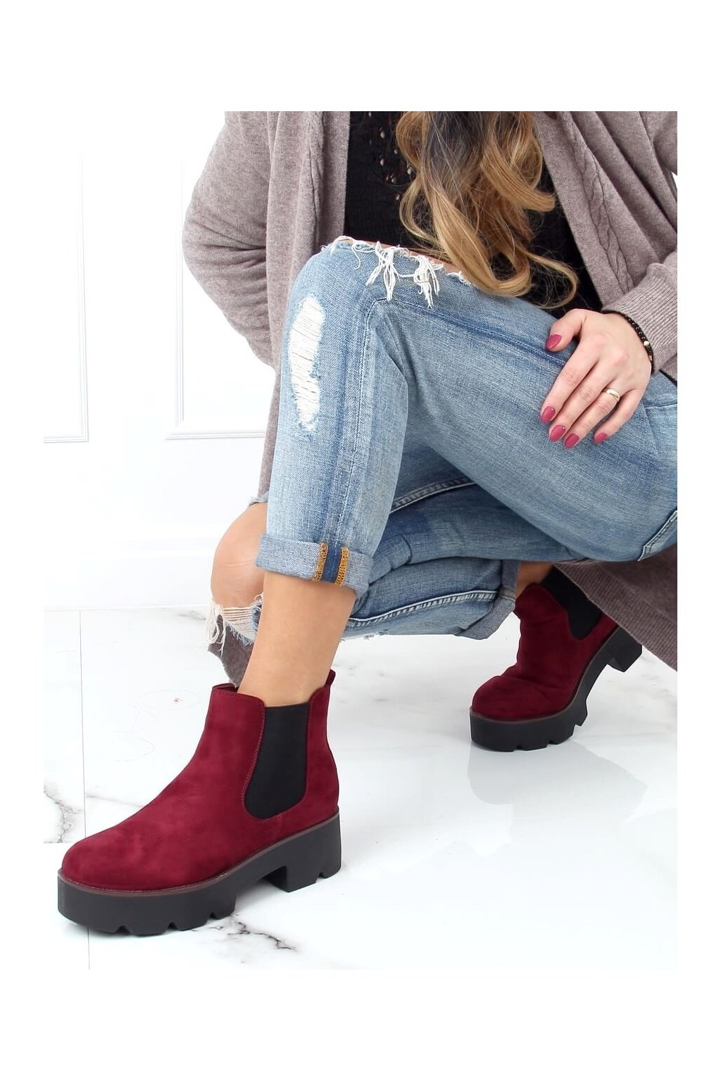 Dámske členkové topánky červené na širokom podpätku 8B987