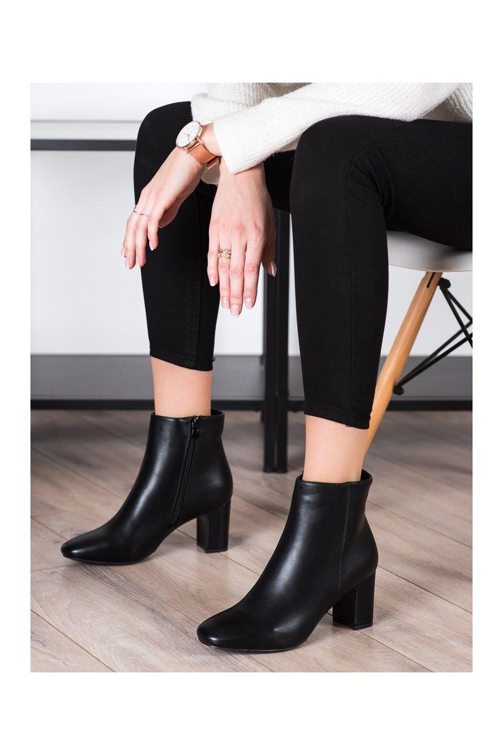 Čierne dámske topánky Super mode kod 5800B