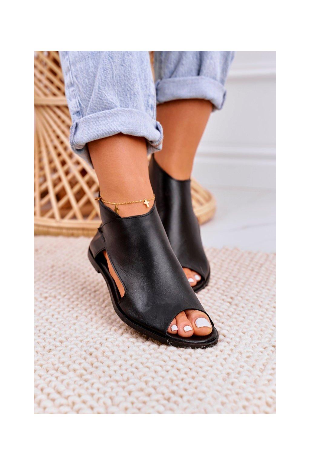 Dámske sandále s plochou podrážkou farba čierna kód obuvi 2622/001 BLACK