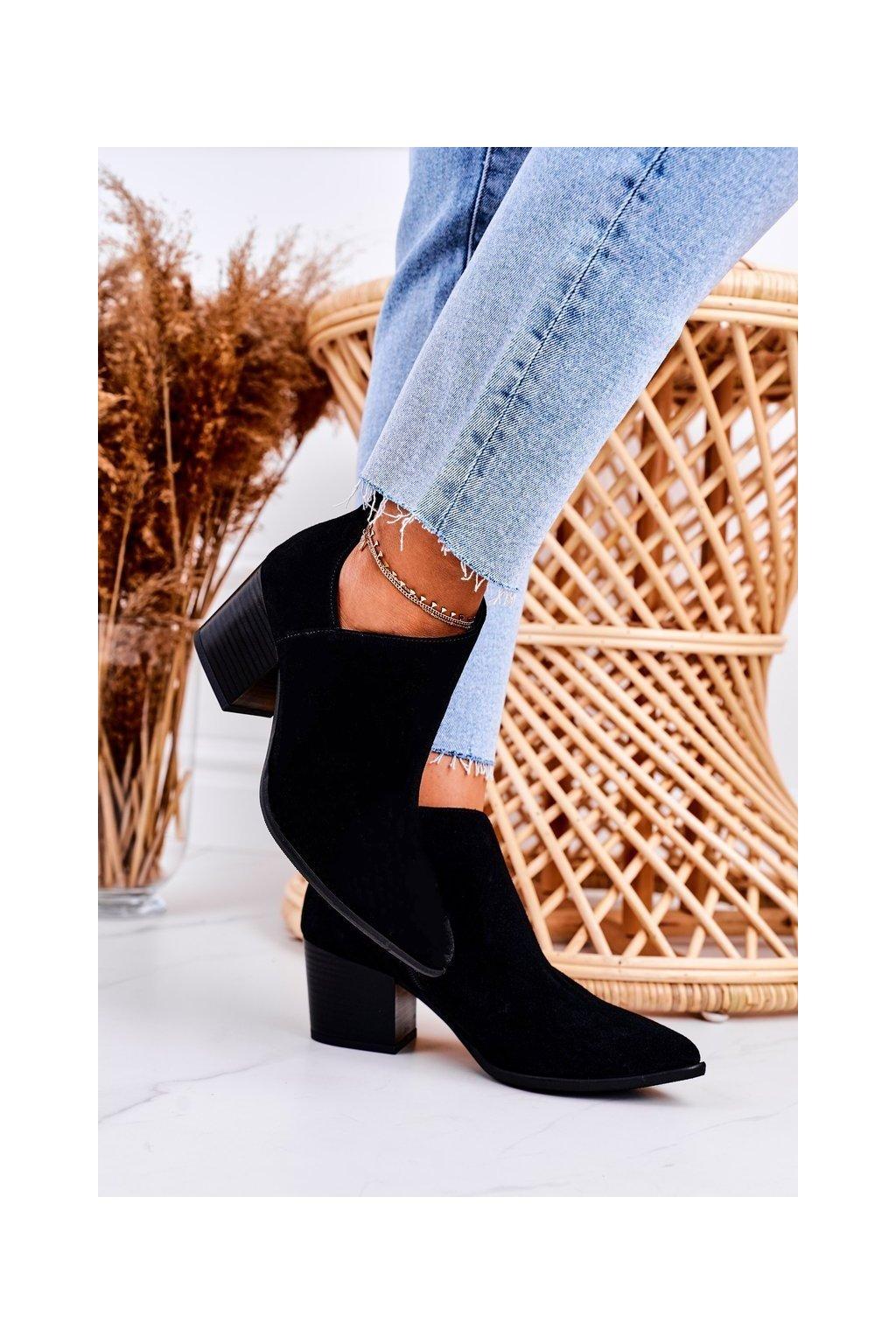 Členkové topánky na podpätku farba čierna kód obuvi 2602/028 BLACK