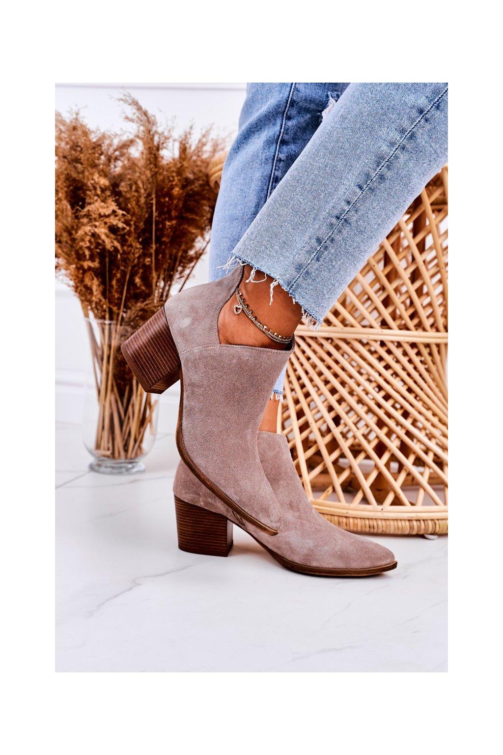 Členkové topánky na podpätku farba hnedá kód obuvi 2602/024 CAPPUCCINO