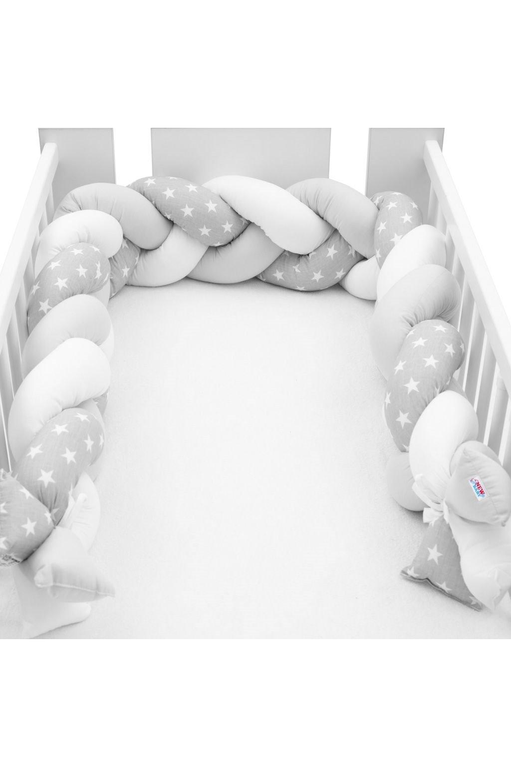 Ochranný mantinel do postieľky vrkoč New Baby Hviezdičky sivo-biely