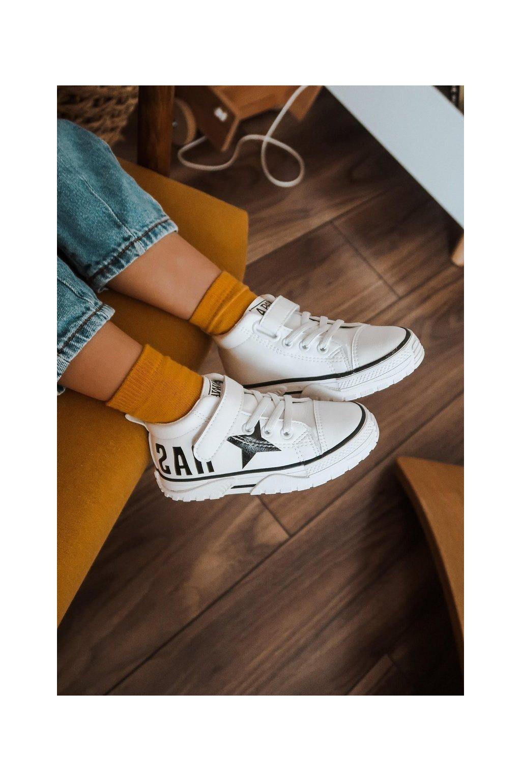 Detské tenisky farba biela kód obuvi VC52 WHITE