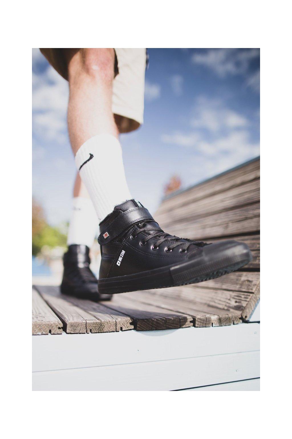 Čierna obuv kód topánok Y174020 BLK