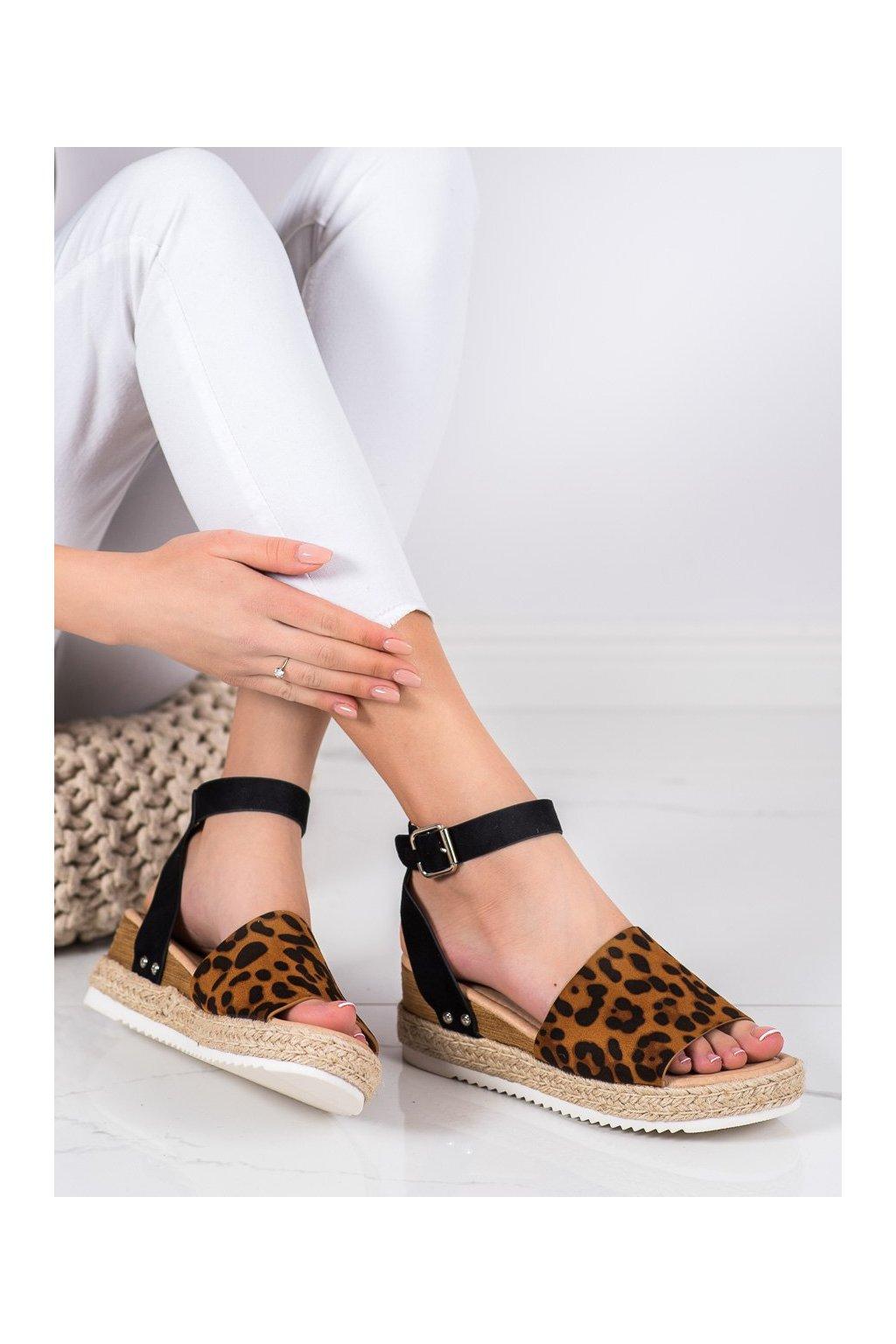 Zvierací motív sandále na platforme Kylie kod K2013401LEO