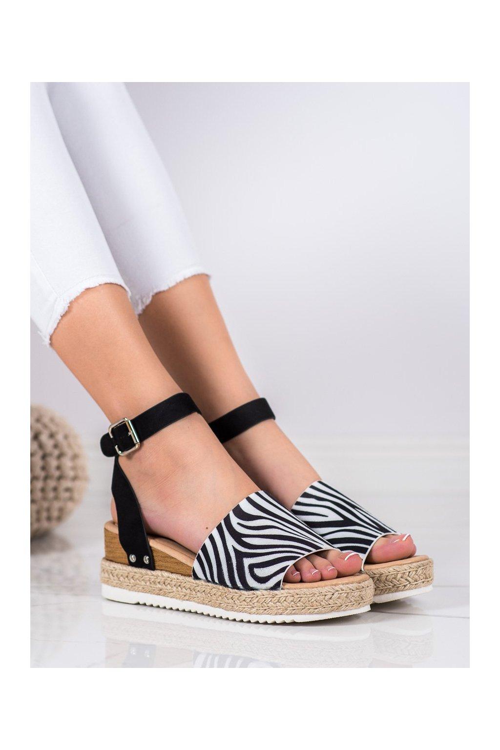Zvierací motív sandále na platforme Kylie kod K2013401ZE